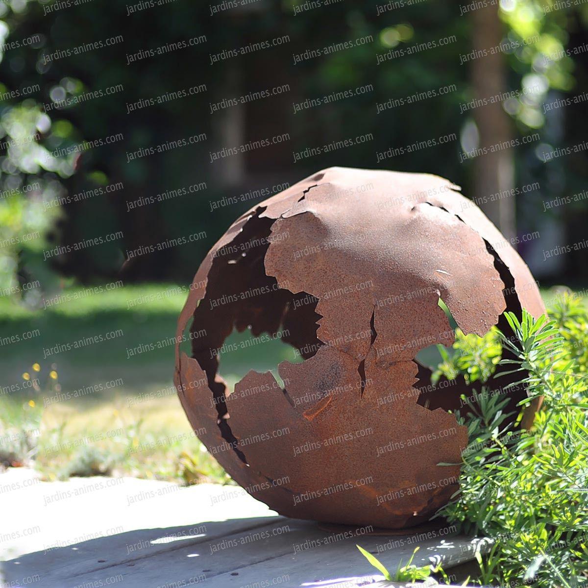 Boule En Métal Découpe Laser D.40Cm | Métal Rouillé, Objet ... à Boule Céramique Jardin