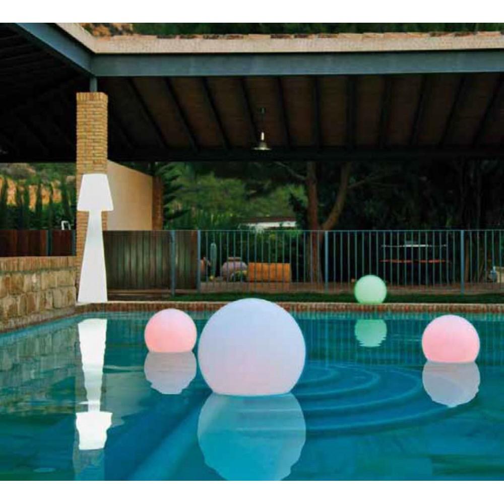 Boule Jardin Lumineuse : Des Accessoires Qui Vont Mettre ... dedans Boules Lumineuses Jardin