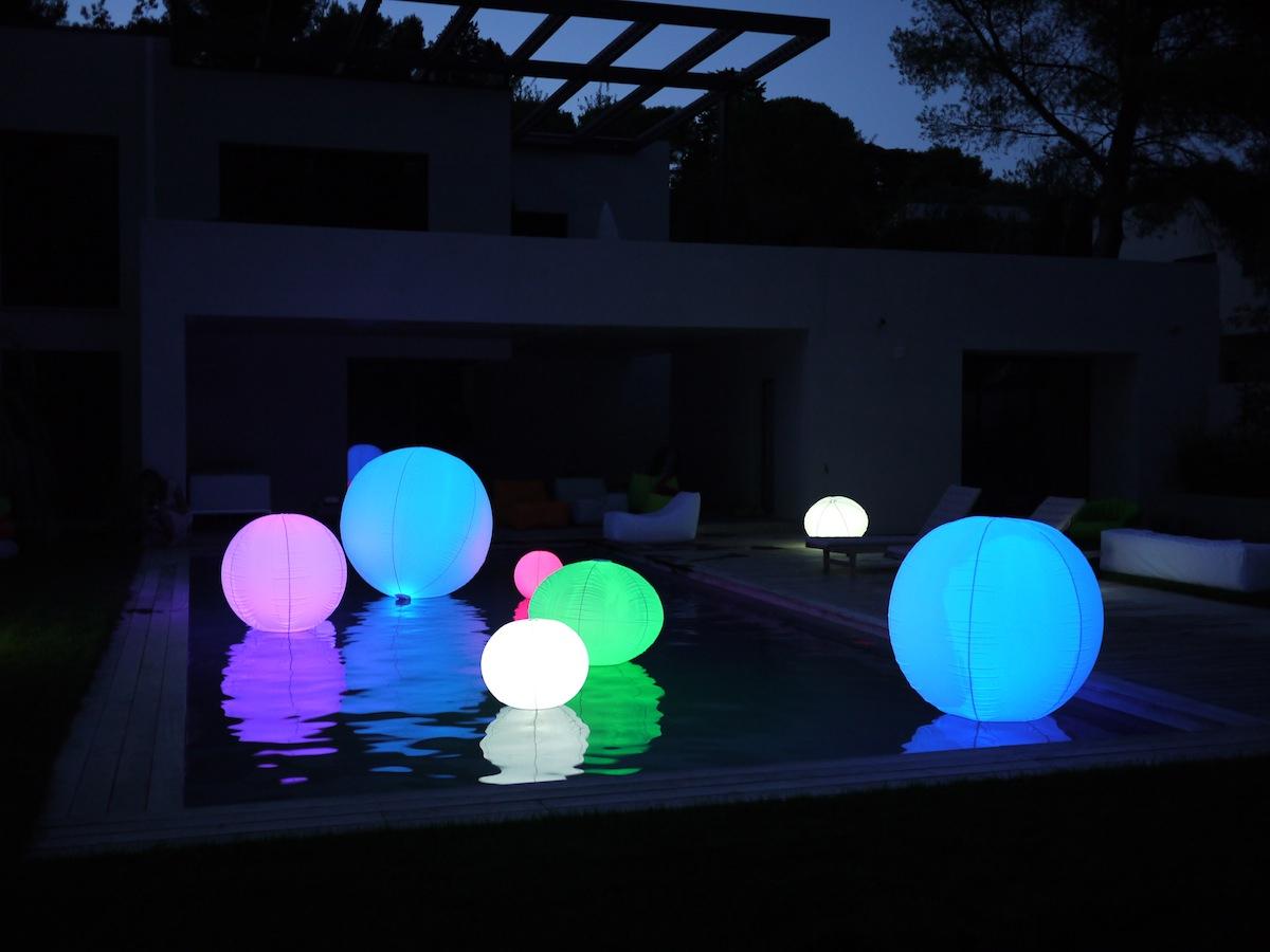 Boule Lumineuse Jardin : Pour Apporter Du Pep's À Votre ... intérieur Boule Lumineuse Jardin