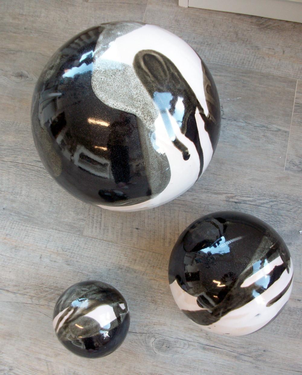 Boules En Grès Pour La Décoration Extérieure, Poteries De Jardin dedans Boule Céramique Jardin