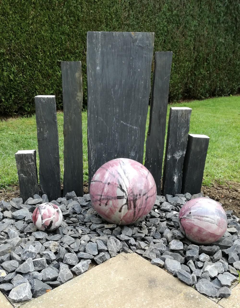 Boules En Grès Pour La Décoration Extérieure, Poteries De Jardin encequiconcerne Boule Décorative Pour Jardin