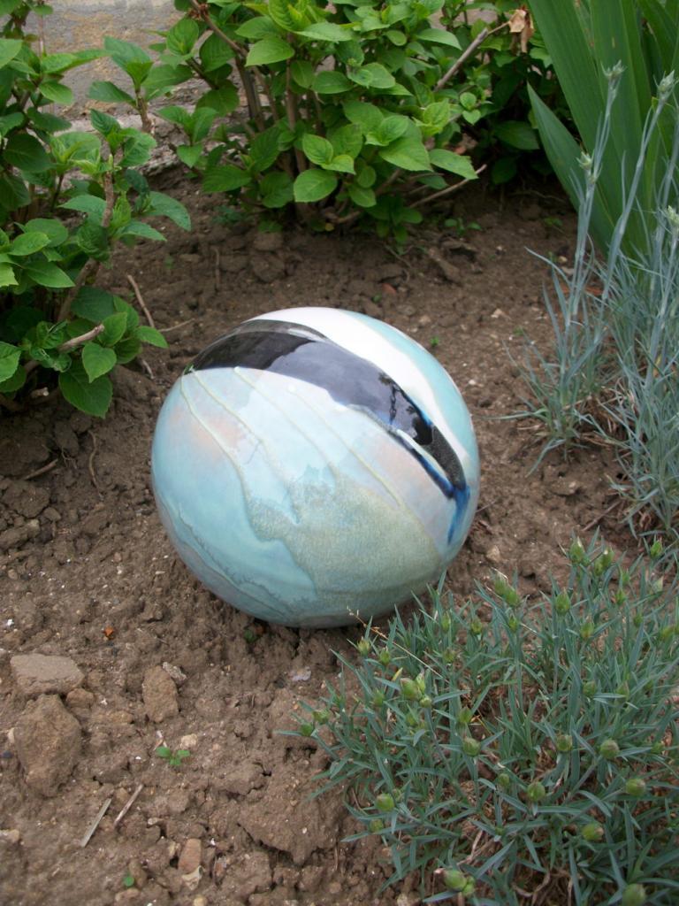 Boules En Grès Pour La Décoration Extérieure, Poteries De Jardin pour Boule Céramique Jardin