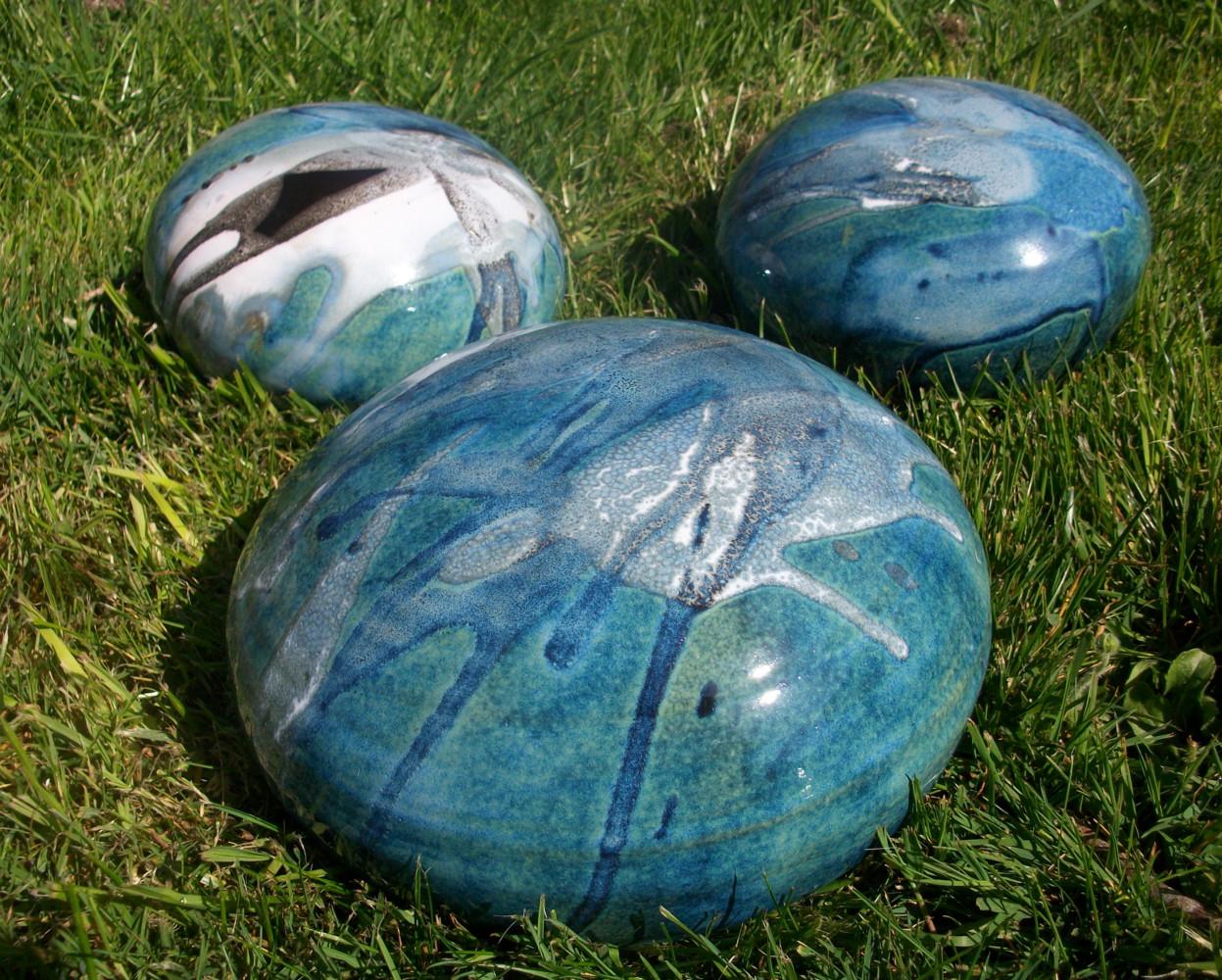 Boules En Grès Pour La Décoration Extérieure, Poteries De Jardin serapportantà Boule Céramique Jardin