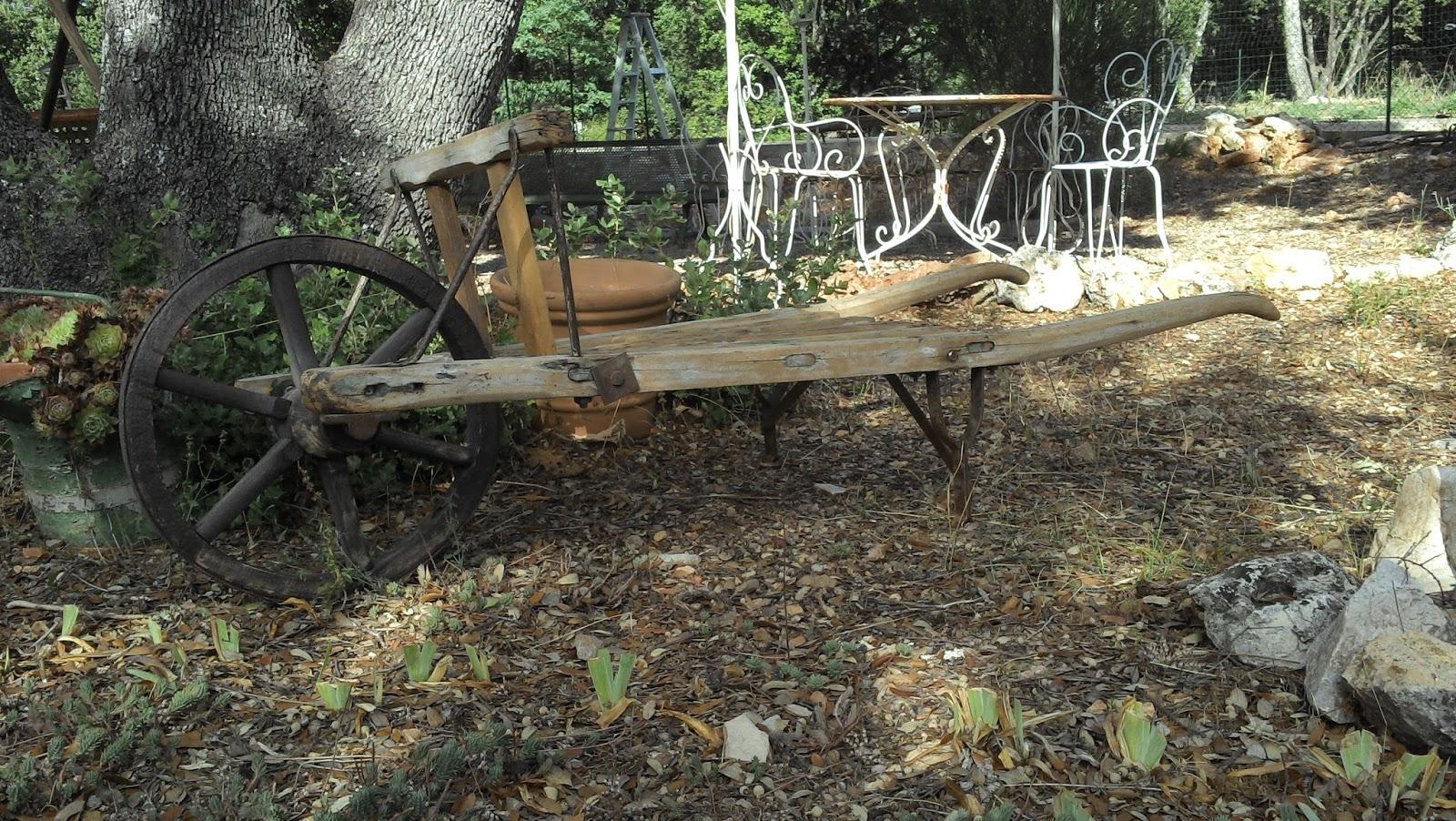 Brouette En Bois Ancienne Provençale Art Populaire Déco ... destiné Brouette Deco Jardin