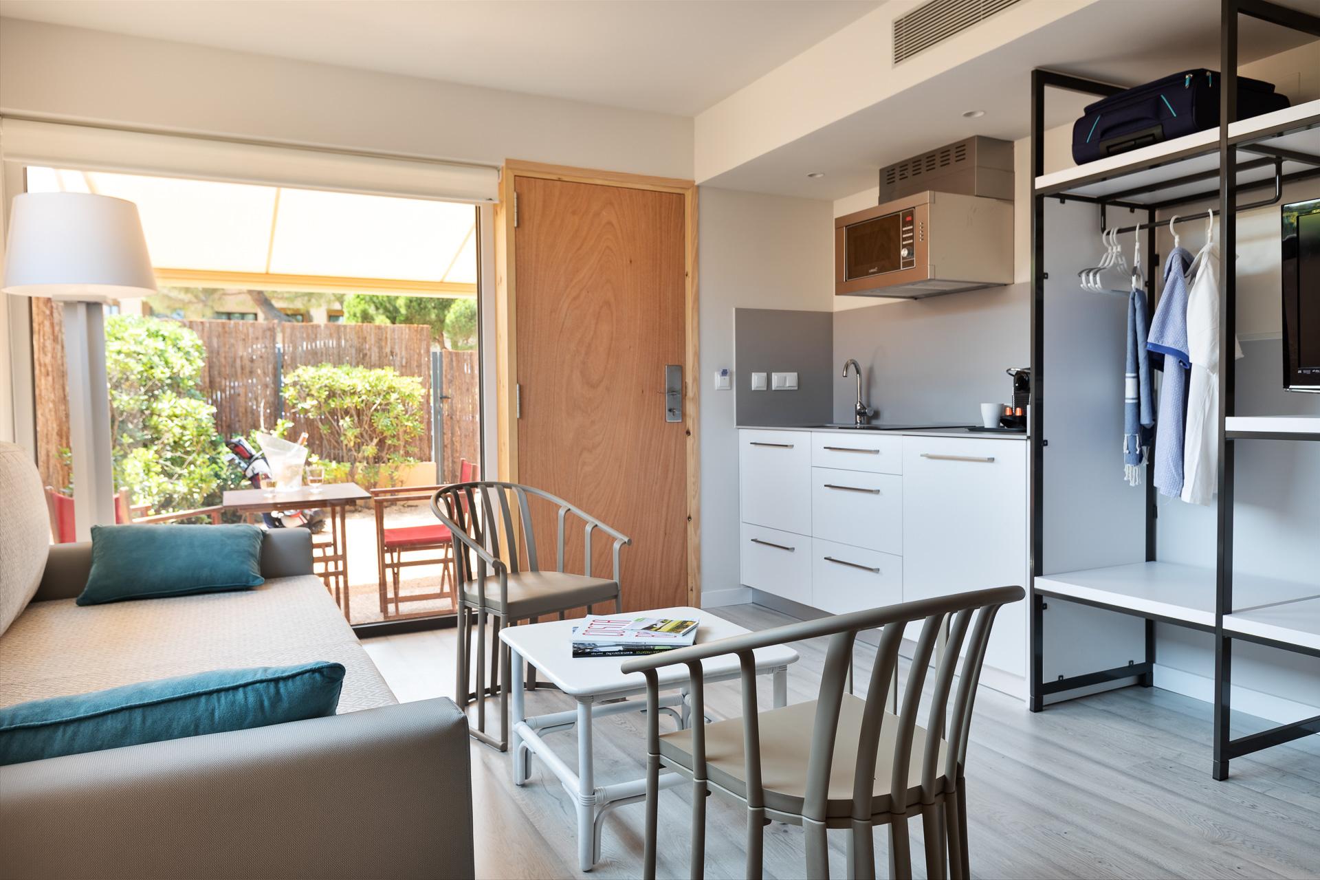 Bungalow À Pals, Costa Brava, Espagne | Apartaments Golf serapportantà Bungalow De Jardin Design