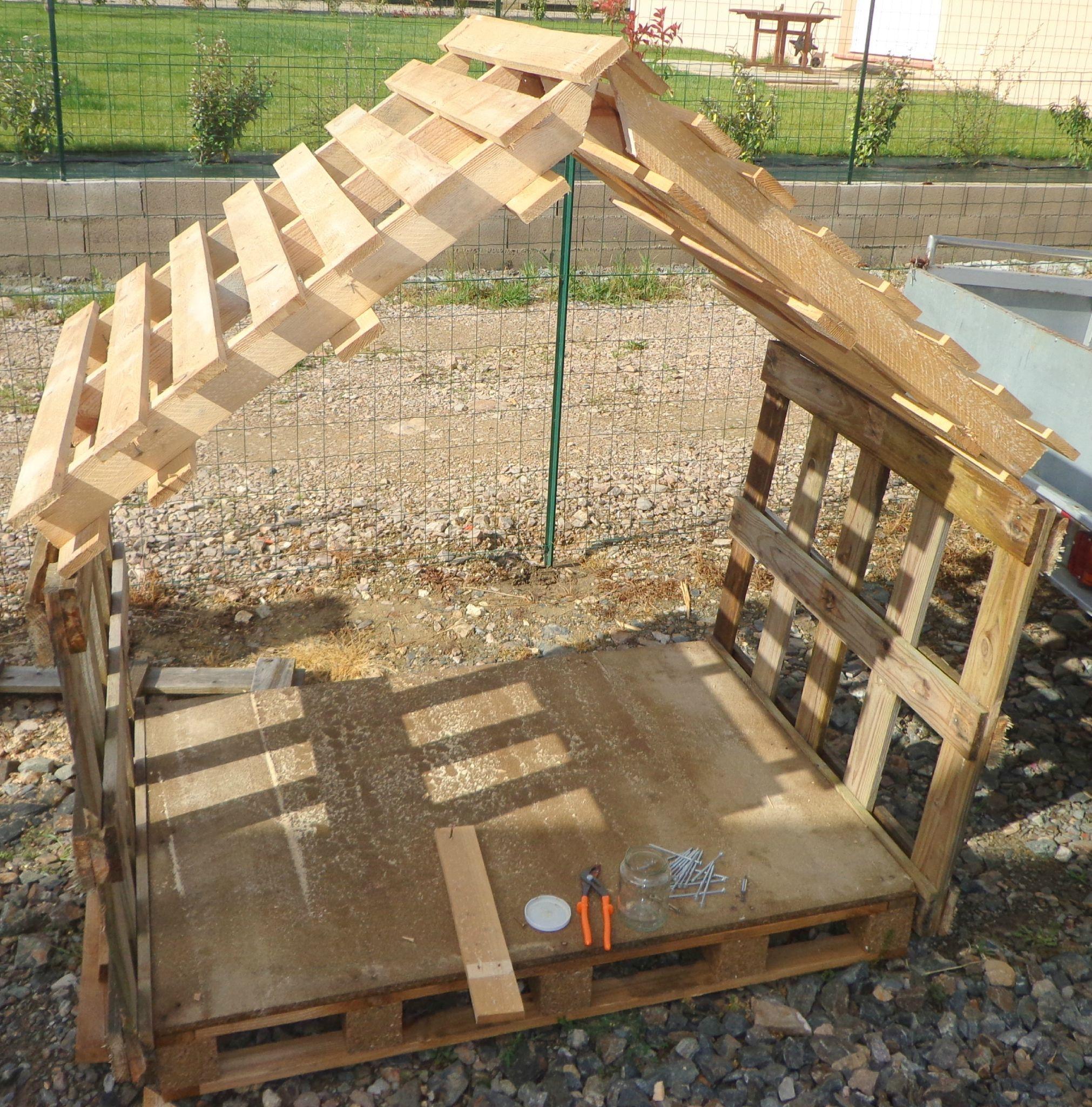 Cabane Enfant Ou Abris Chien - Recyclage Et Création ... tout Construire Son Abri De Jardin En Palette