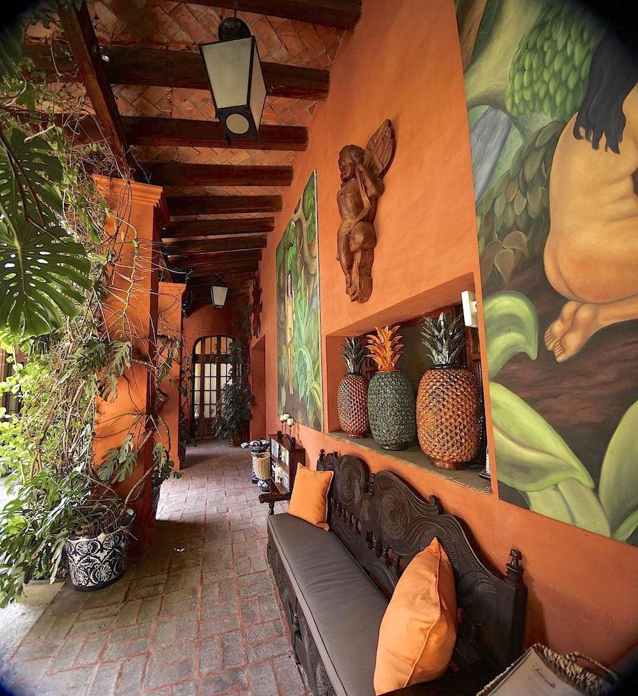Casa Schuck Bed And Breakfast, Allende ( ̶3̶0̶5̶ ) Price ... serapportantà Salon De Jardin Nevada