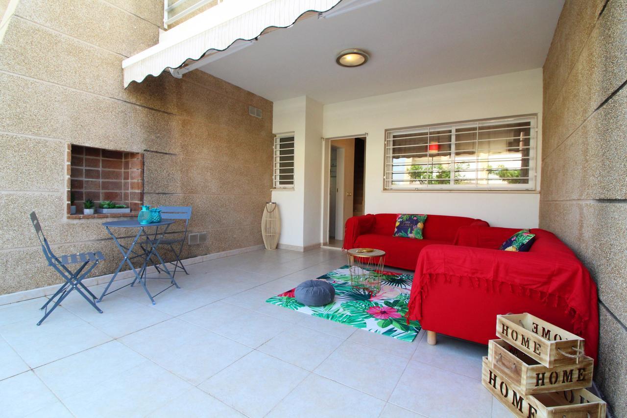 Casa Verano - Adosado Con Piscina Y Jardín En Corinto Playa ... avec Casa Table De Jardin