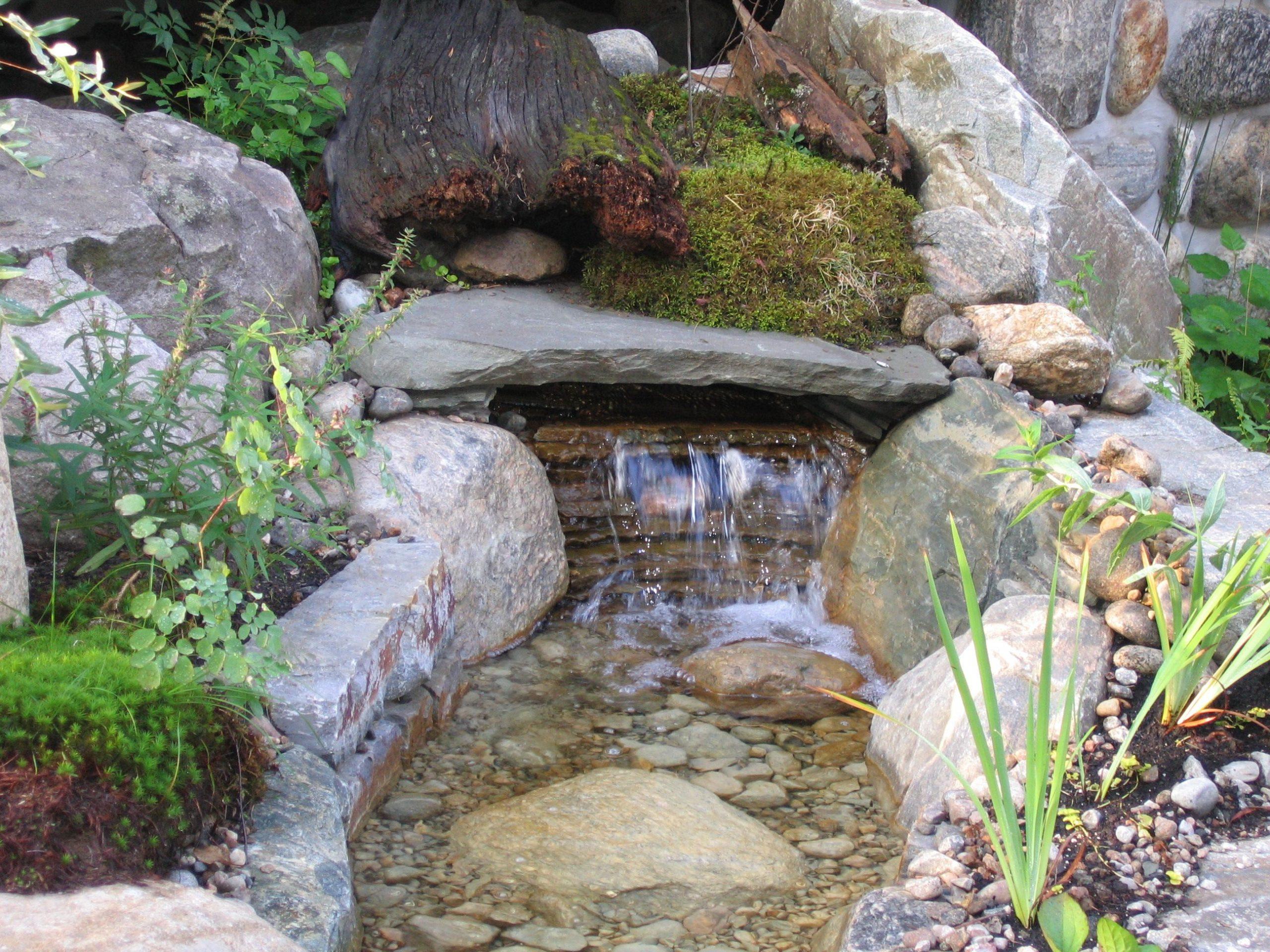 Cascade Pour Petit Bassin. #relaxez Avec Maxhorti ... pour Bassin Pour Petit Jardin