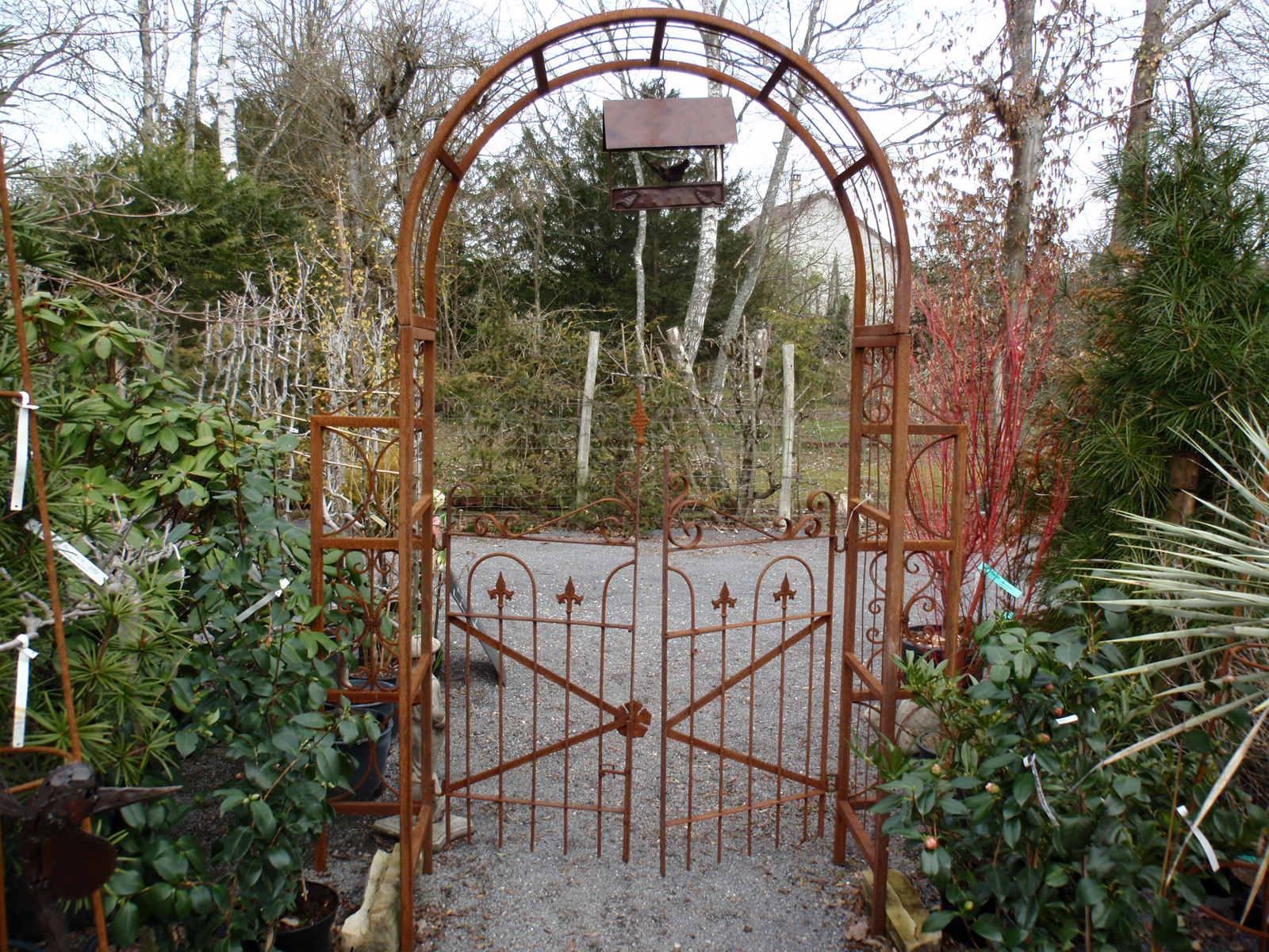 Catalogue encequiconcerne Arche De Jardin Fer Forgé