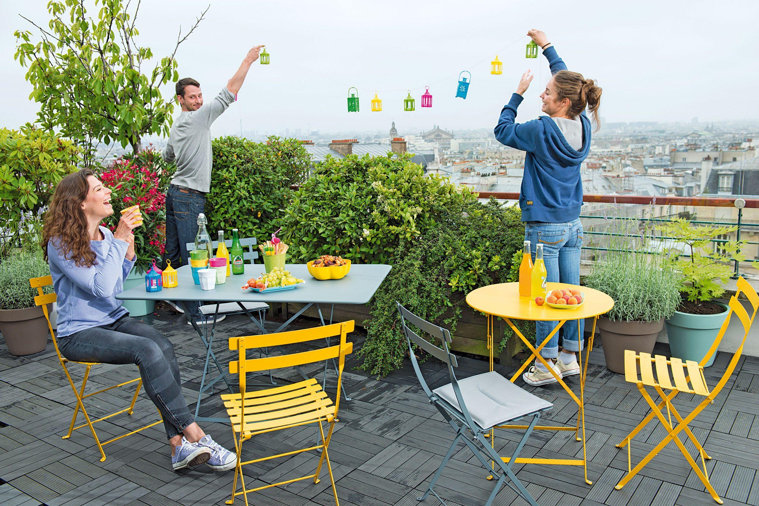 Chaise Bistro Miel | Agrément De Jardin, Bistro Et Jardins pour Salon De Jardin Métal Coloré