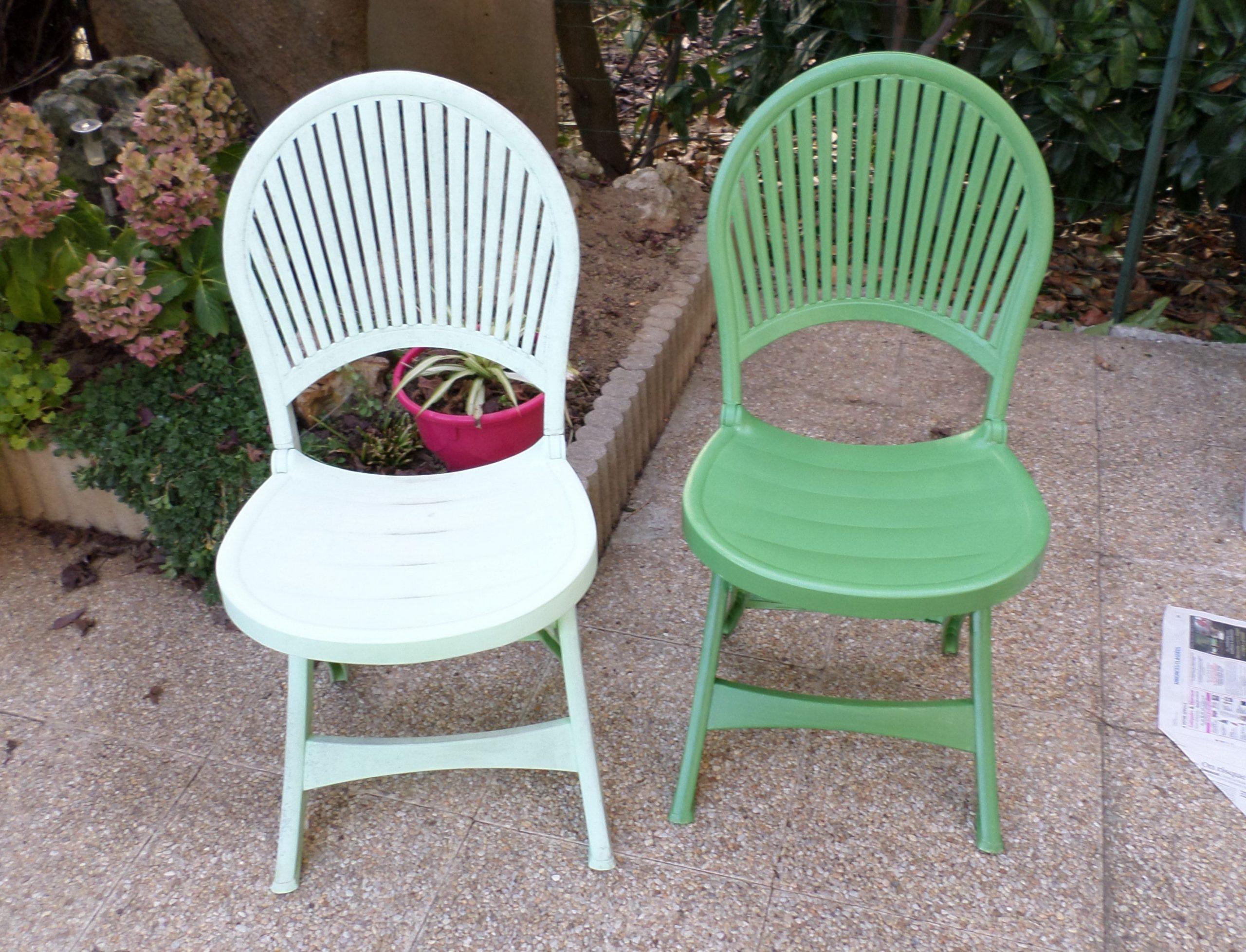 Chaises De Salon De Jardin Repeintes - Recup Diy Poncer ... intérieur Peinture Pour Meuble De Jardin En Plastique