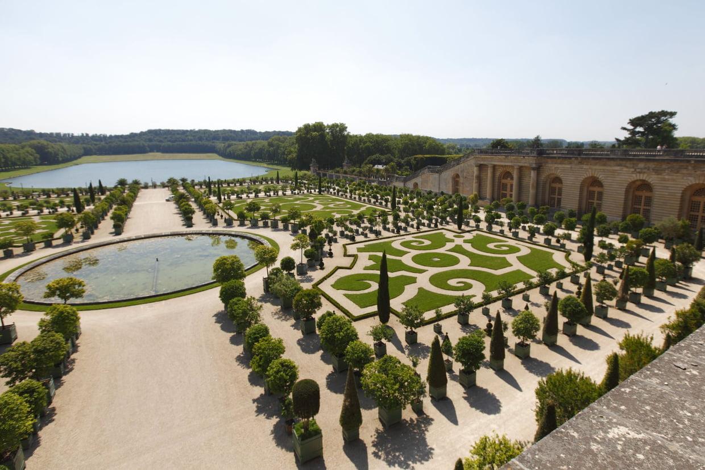 """Château De Versailles : Fermé Jusqu'à """"nouvel Ordre"""" À Cause ... serapportantà Fontaine Naturelle Jardin"""