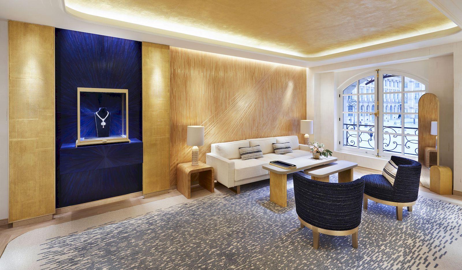 Chaumet Flagship Reopens At 12 Place Vendôme In Paris pour Hyper U Salon De Jardin
