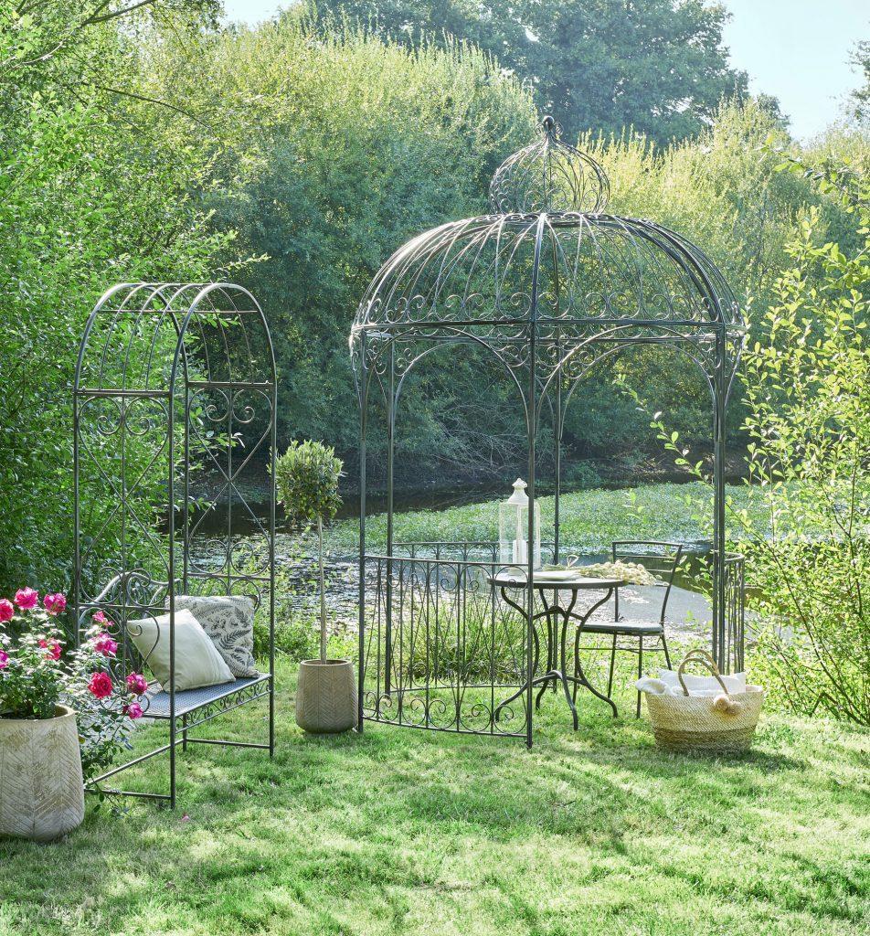 Choisir Une Tonnelle Pour Le Jardin intérieur Tonnelle De Jardin Jardiland