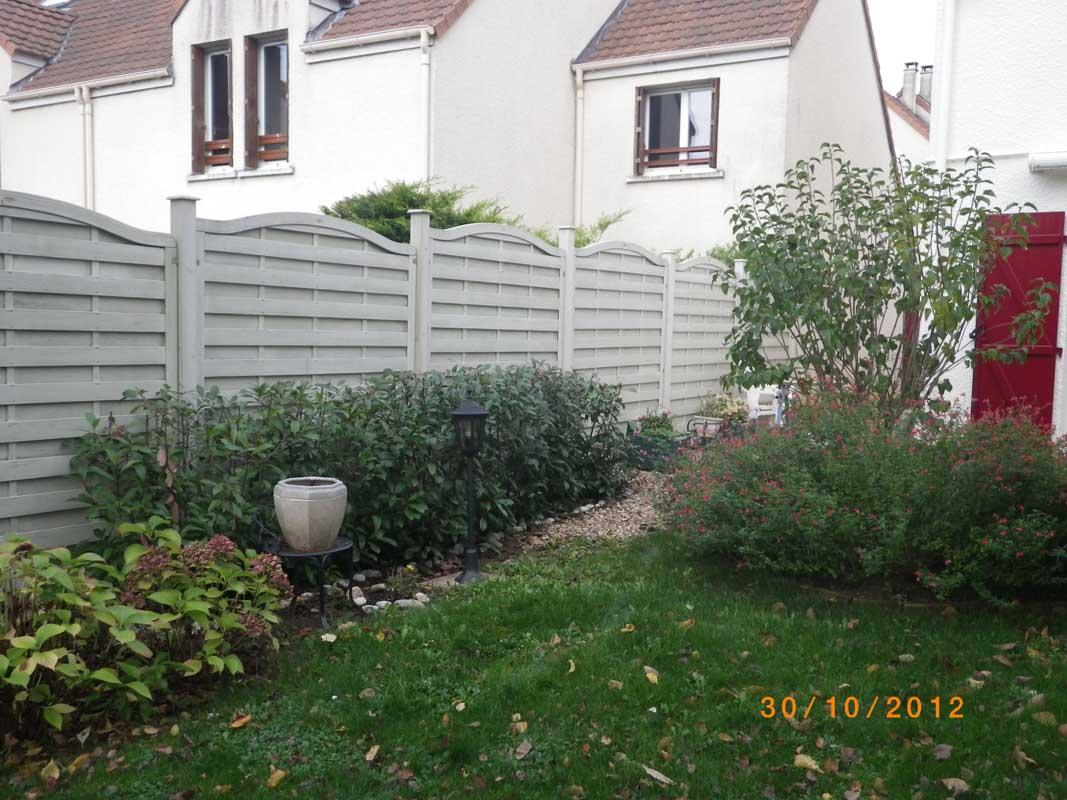 Cl%c3%b4Ture Bois Panneaux Bois Claustras - Clôture Bois ... serapportantà Panneau De Bois Jardin