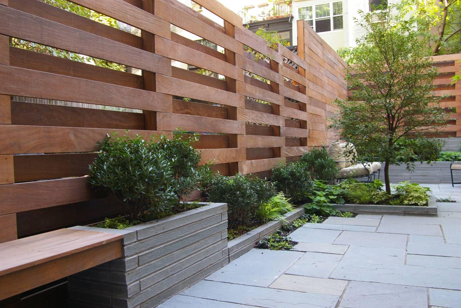 Cloture Avec Les Voisins   Palissade Jardin, Jardins En Bois ... avec Barriere De Jardin Bois