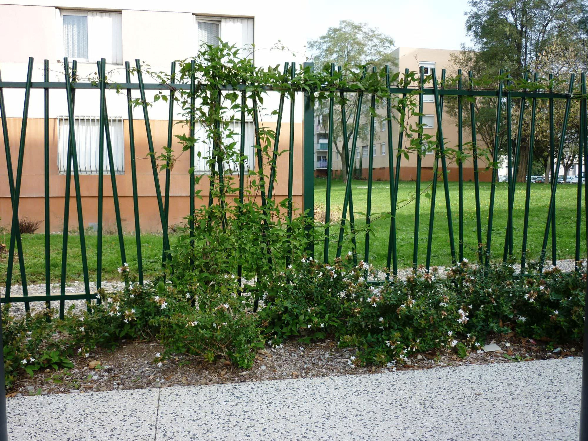 Clôture De Jardin / À Barreaudage / En Métal / Modulaire ... tout Clotures Métalliques Jardin