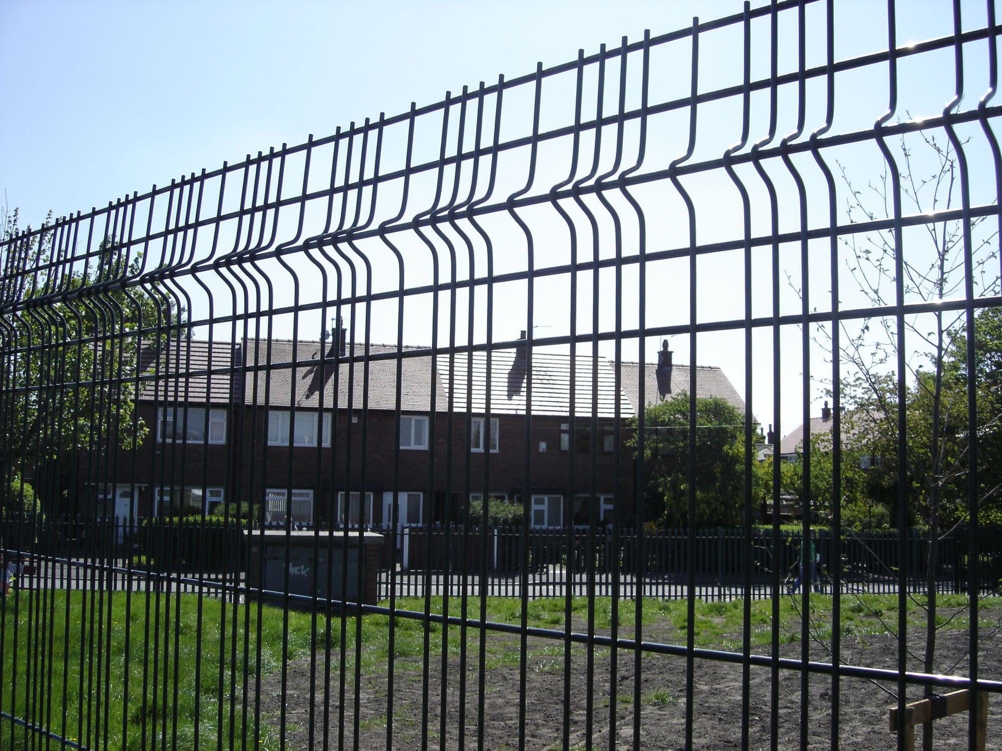 Clôture De Jardin / Pour Espace Public / Pour Espaces Verts ... tout Cloture Jardin Grillage Rigide