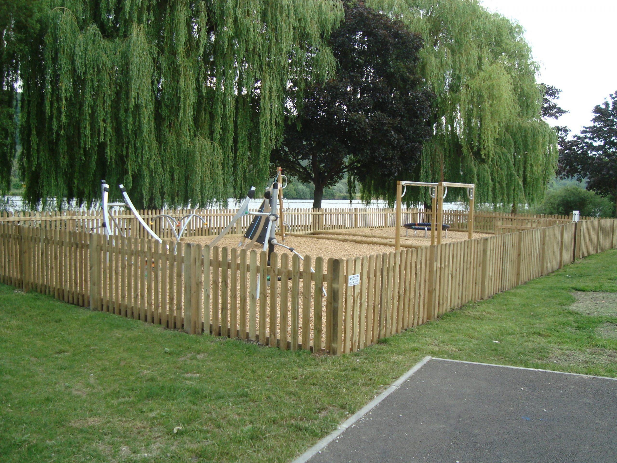 Clôture En Bois Pour Jardin à Barrière Bois Jardin