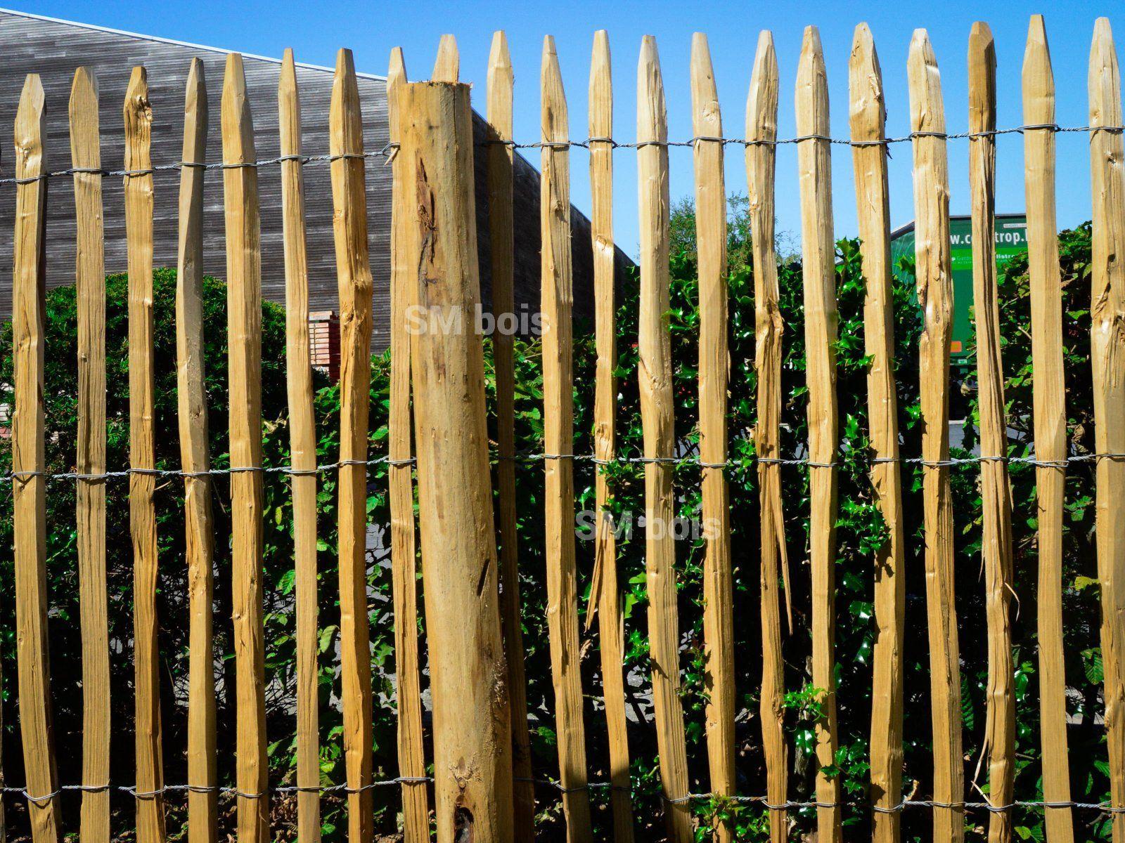 Cloture Ganivelle Chataignier: C'est Une Clôture Esthétique ... encequiconcerne Barrière Bois Jardin