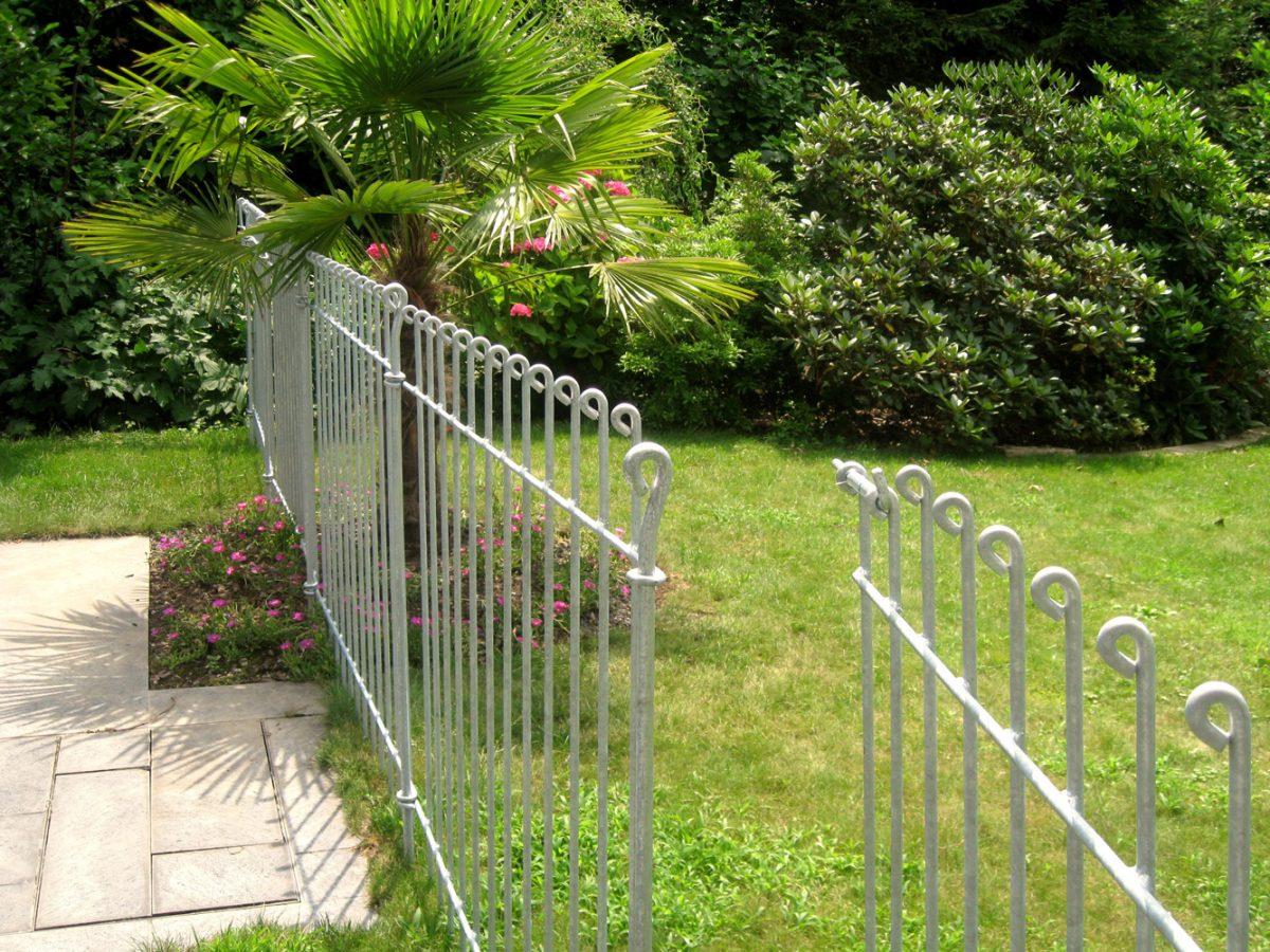 Clôture Pour Chiens Anneau - Melabel® Clôtures dedans Barriere Jardin Pour Chien
