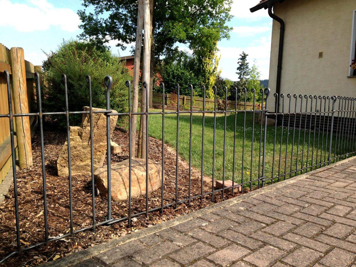 Clôture Pour Chiens Anneau - Melabel® Clôtures pour Petite Barriere Jardin