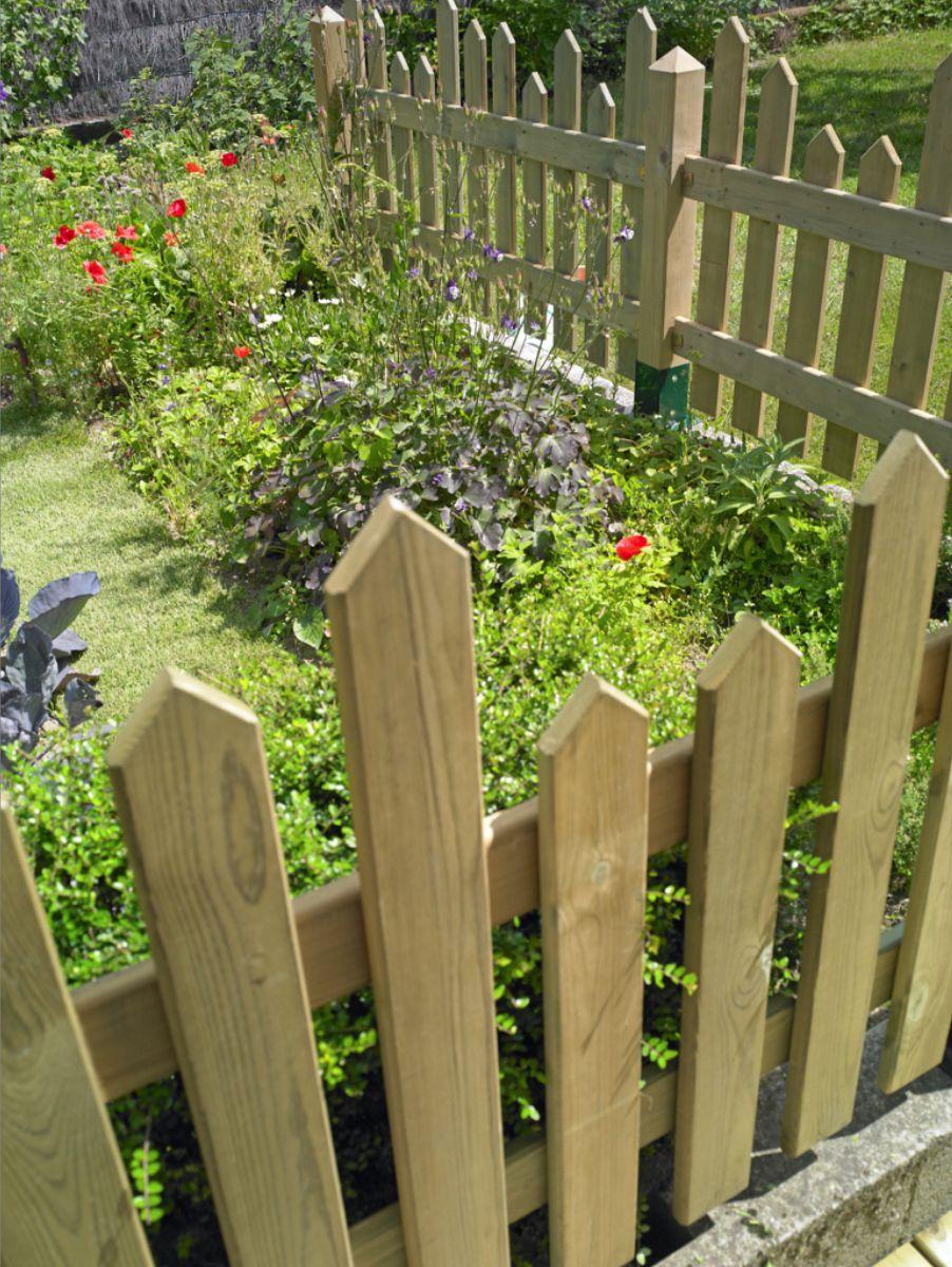 Clôturer Son Jardin | Barrière Jardin, Cloture Jardin Bois ... intérieur Barriere Pour Cloture Jardin