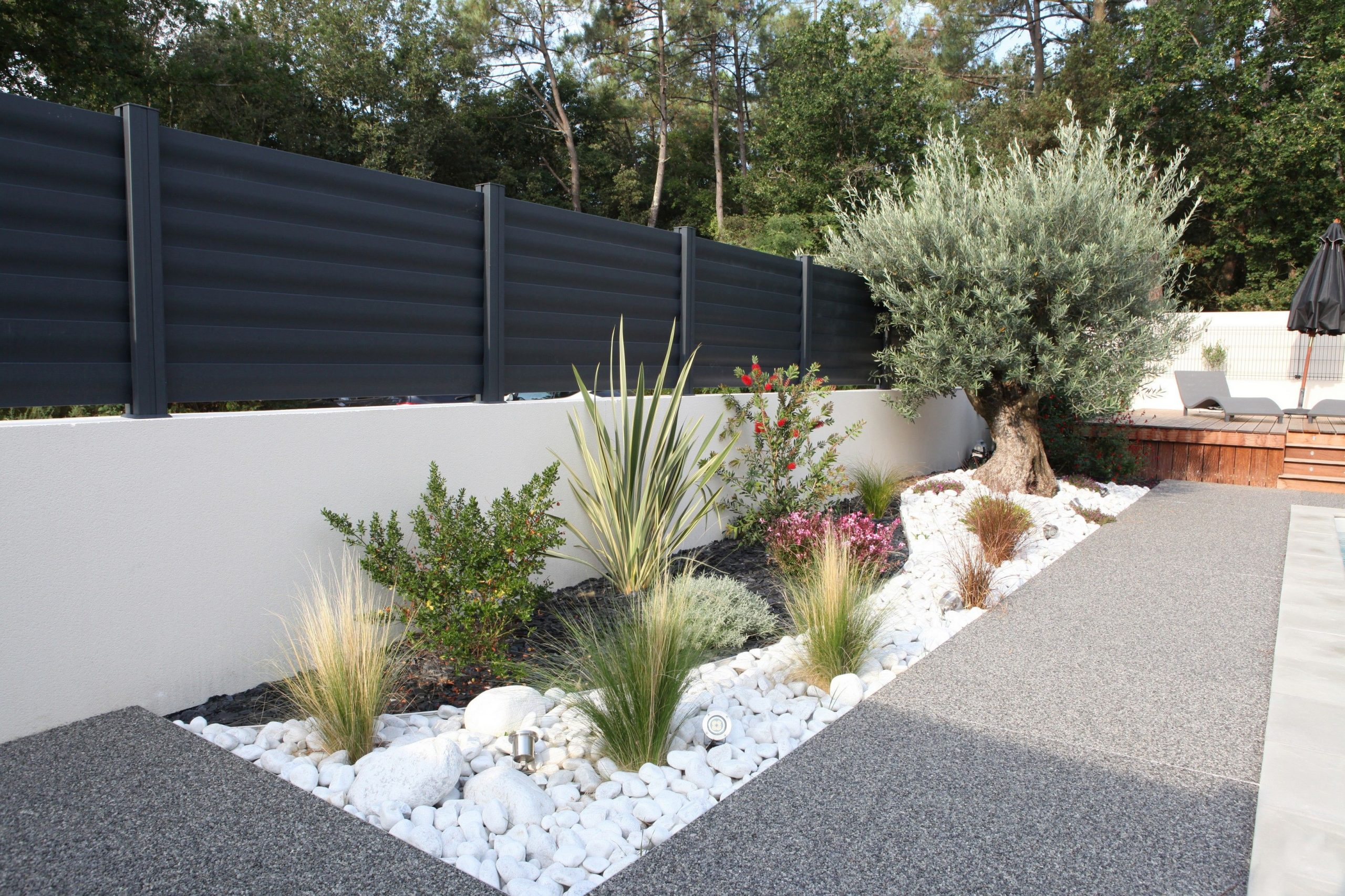 Clôtures Aluminium Modèle Brise Vue #menuiserie #cloturel ... destiné Cailloux Décoration Jardin