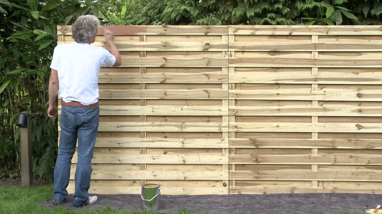 Comment Appliquer Une Lasure Sur Des Clôtures En Bois Au Moyen D'un Pinceau  ? | Xyladecor pour Panneau En Bois Pour Jardin