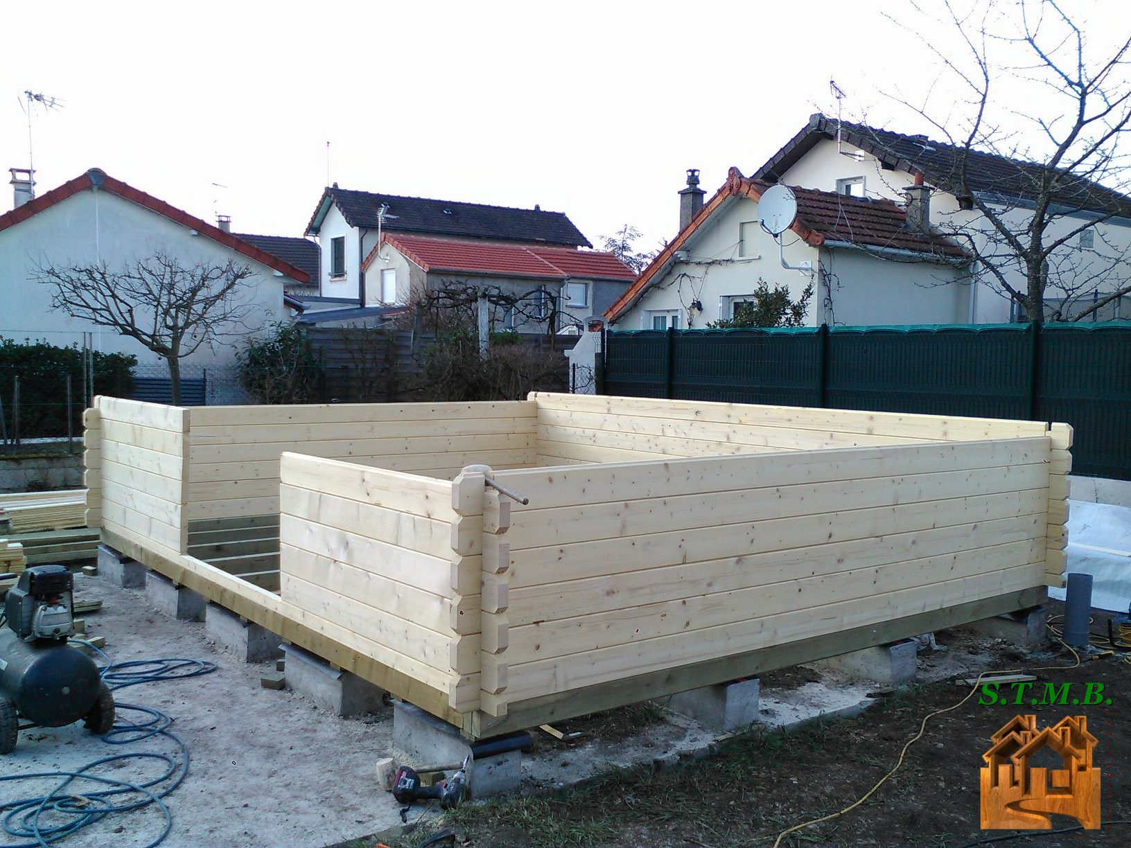 Comment Construire Sa Propre Cabane En Bois ? à Faire Un Plancher Pour Abri De Jardin