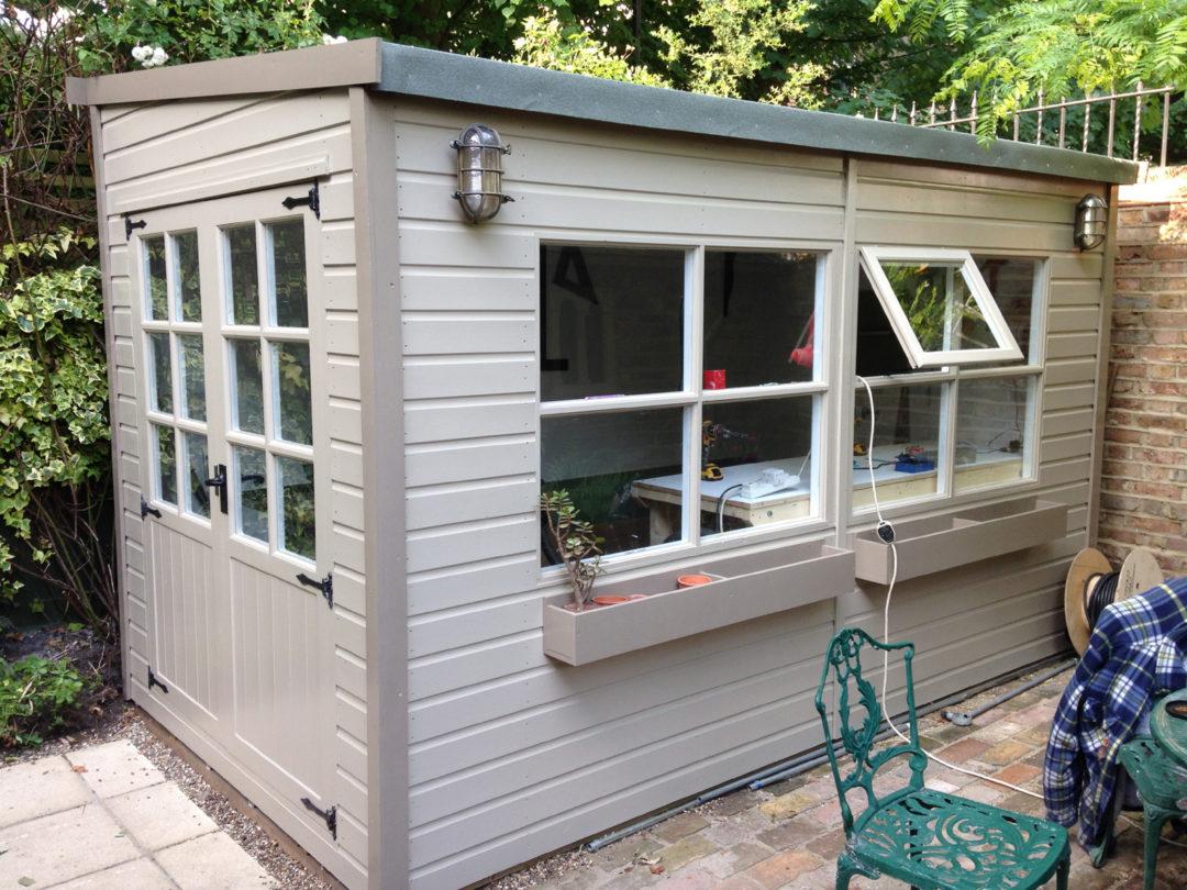 Comment Construire Un Abri De Jardin : Étapes ... destiné Peinture Abri De Jardin