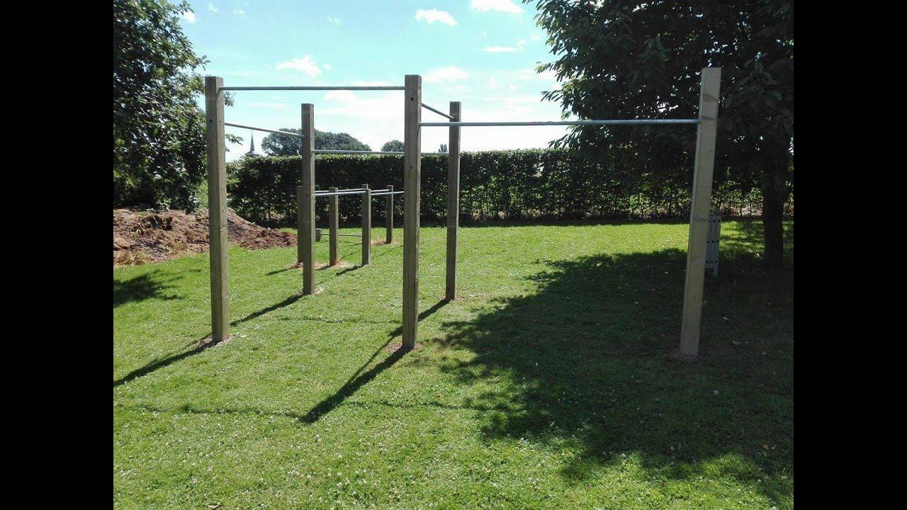 Comment Construire Un Parc De Street Workout Dans Son Jardin +  Démonstration - Bar Brothers Belgium dedans Barre De Gymnastique Pour Jardin
