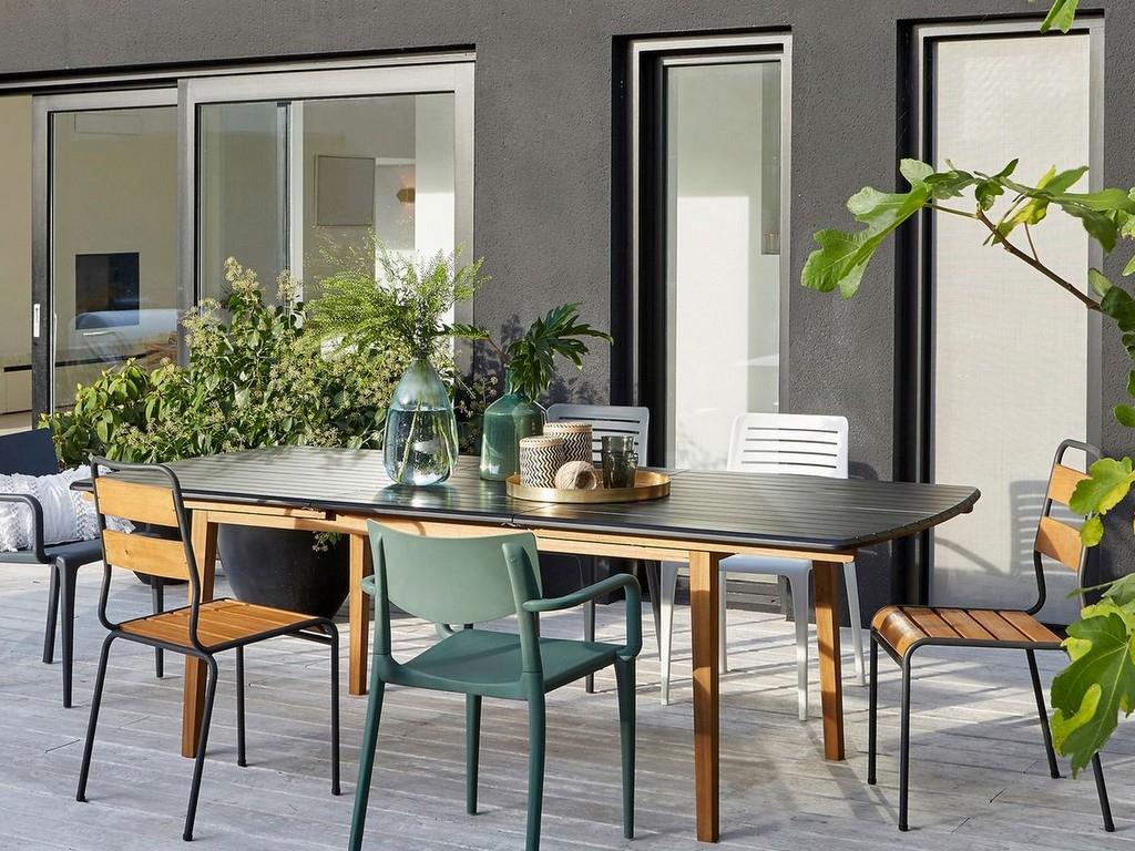 Comment Décorer Une Terrasse Avec Du Noir - Joli Place destiné Le Bon Coin Table De Jardin