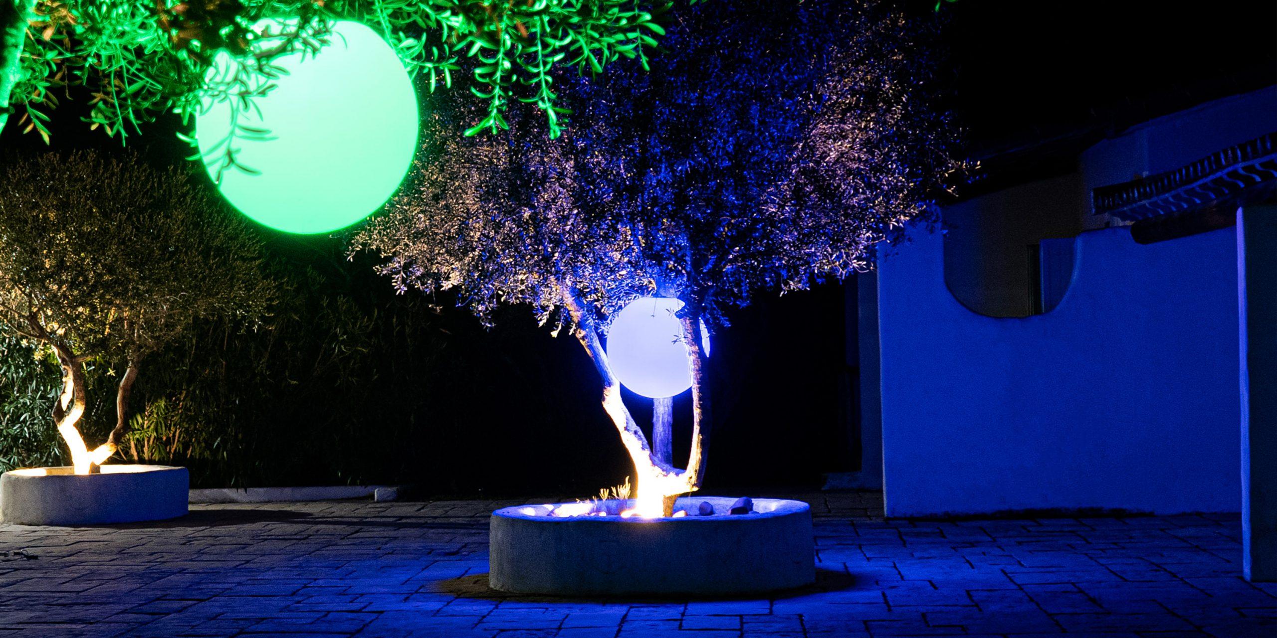 Comment Éclairer Son Jardin De Façon Écologique ? dedans Boule Lumineuse Jardin
