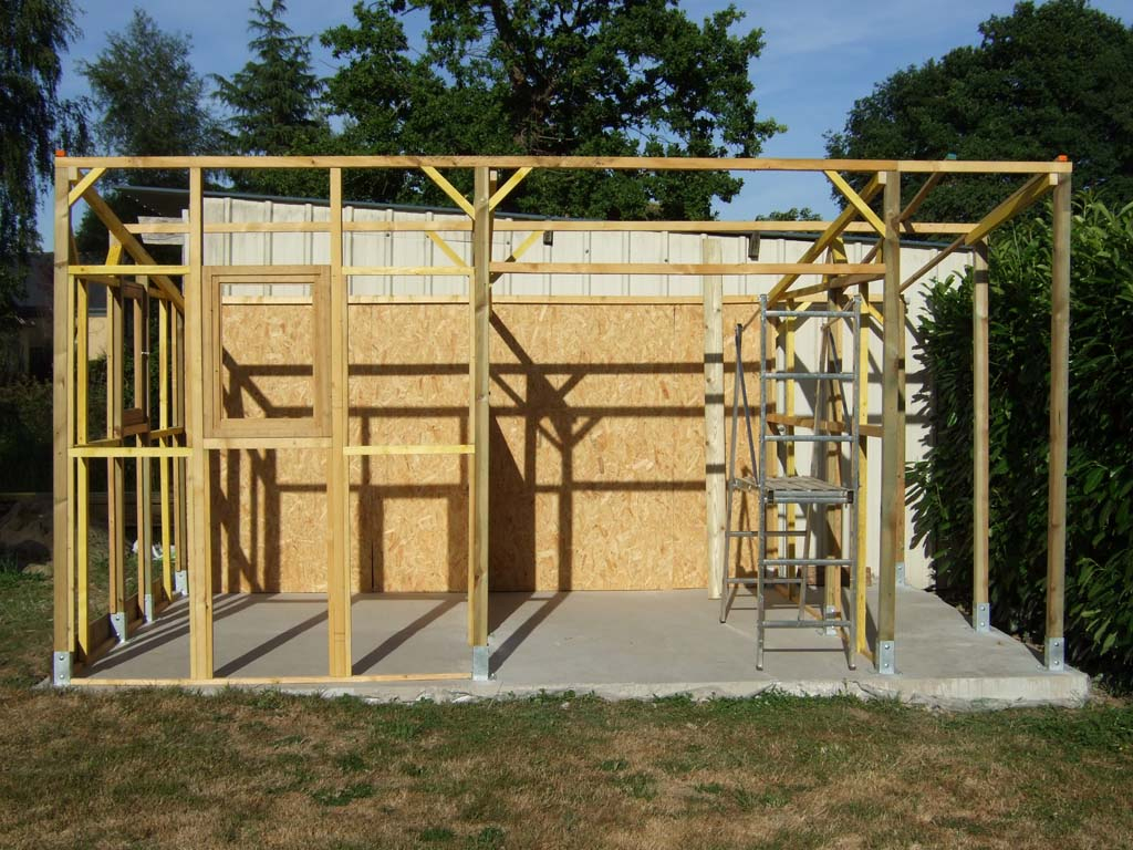 Comment Faire Un Abri A Bois ? concernant Comment Construire Son Abri De Jardin