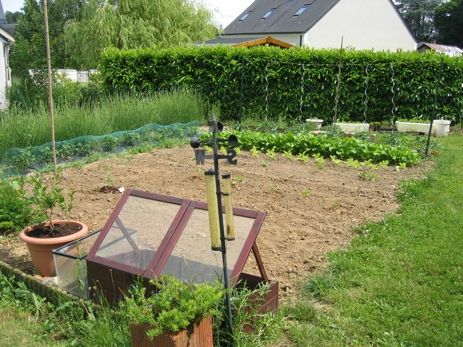 Comment Faire Un Petit Jardin Conception - Idees Conception ... encequiconcerne Faire Un Petit Potager Dans Son Jardin