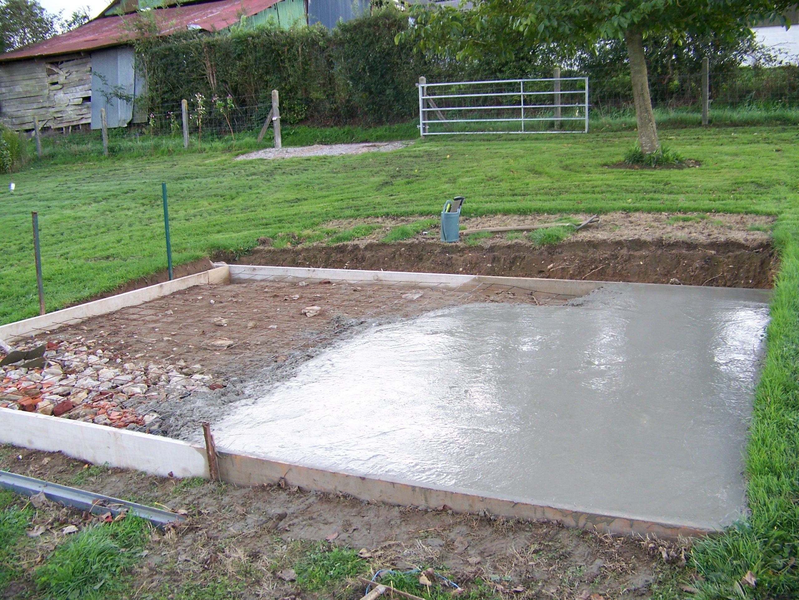 Comment Faire Une Dalle En Béton Pour Un Abri De Jardin? intérieur Fondation Abri De Jardin
