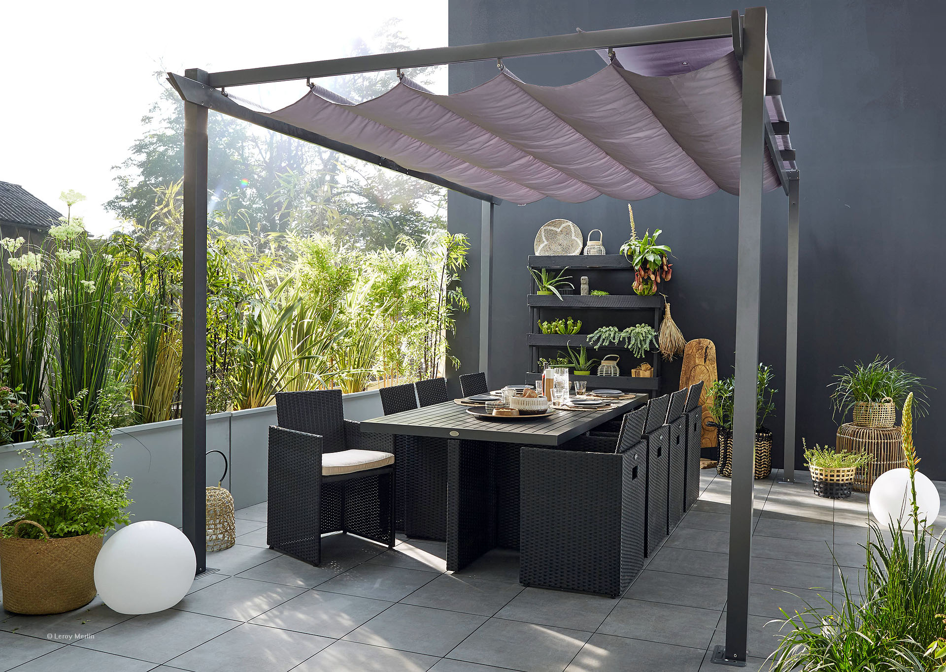 Comment Installer Des Plantes En Bac Sur Sa Terrasse tout Comment Aménager Un Petit Jardin