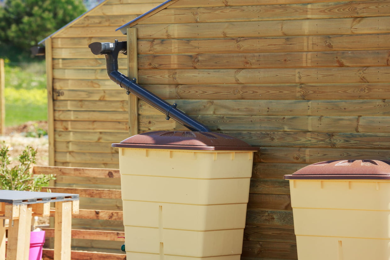 Comment Récupérer L'eau De Pluie Dans Son Jardin tout Gouttière Pour Abri De Jardin