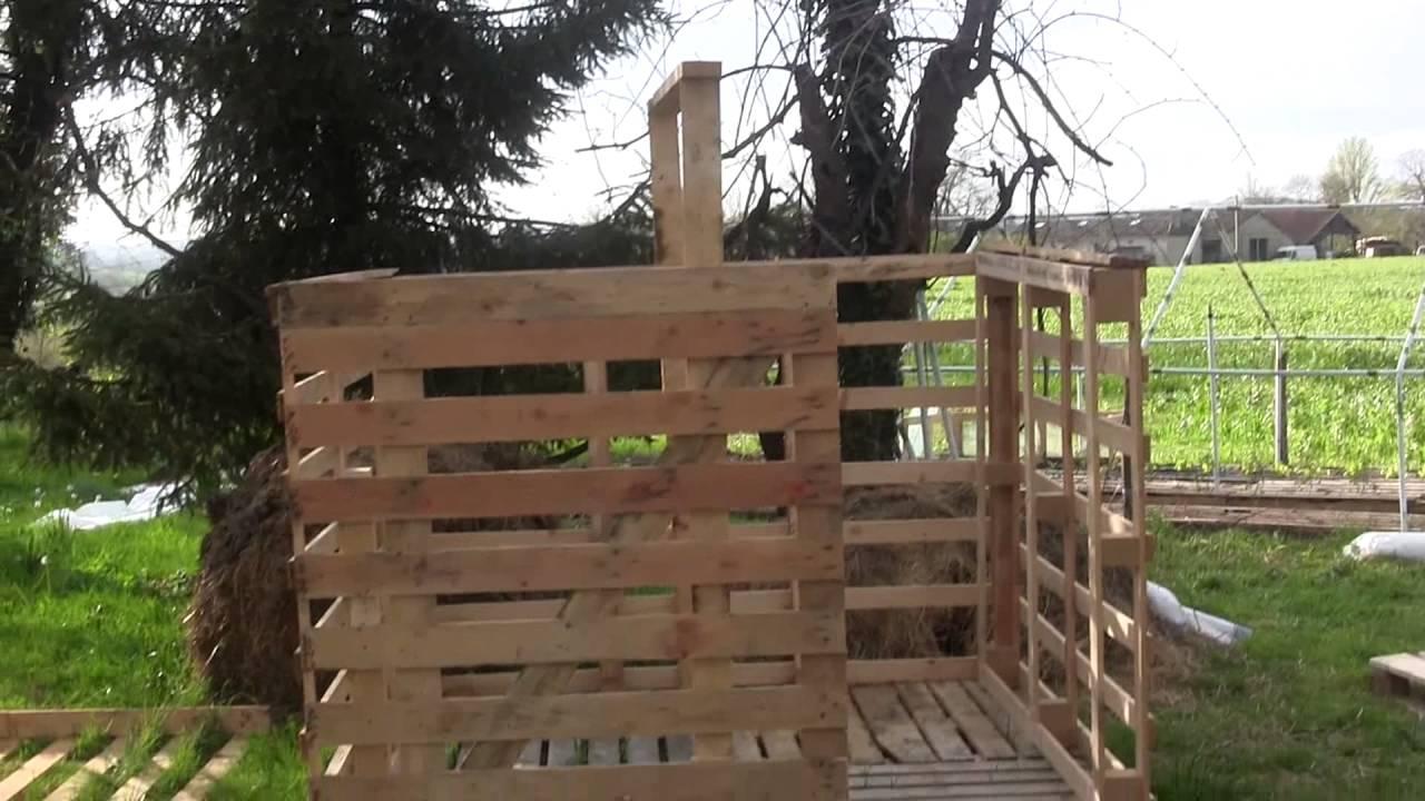 Construction D'un Chalet Avec Récupération De Palette En Bois concernant Construire Son Abri De Jardin En Palette