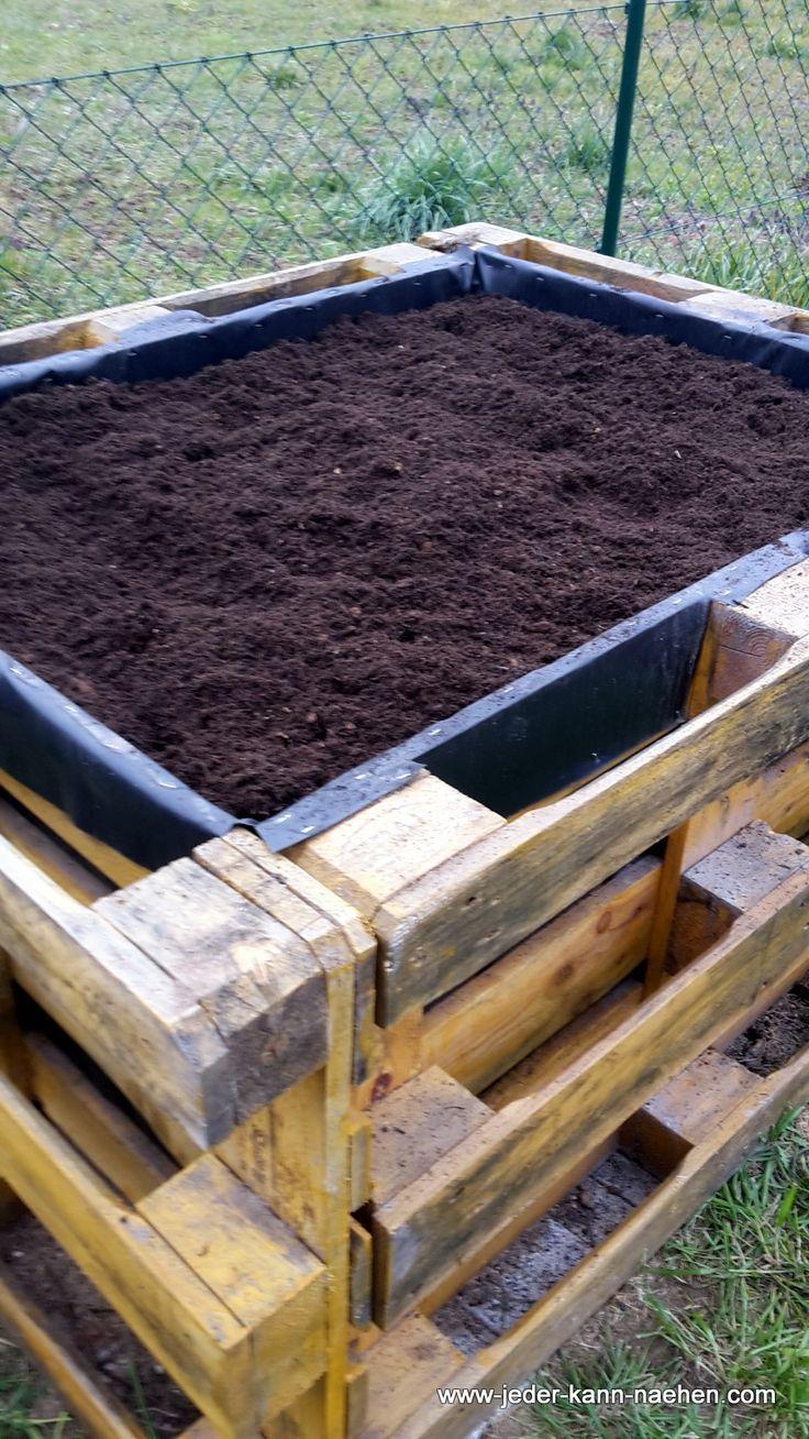 Construire Un Lit Surélevé De Palettes #construire #de #lit ... pour Construire Jardin Surélevé