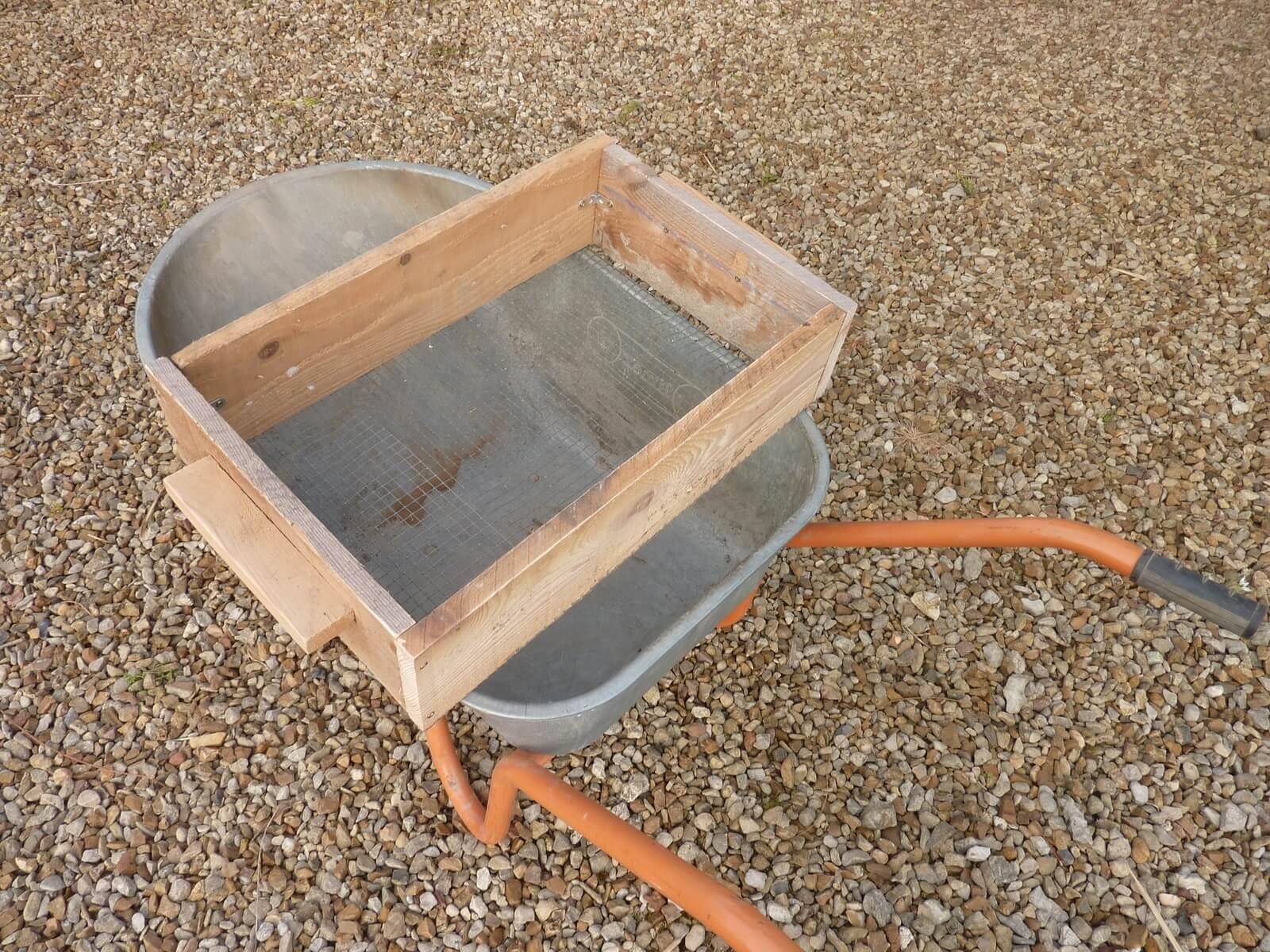 Construire Un Tamis Facilement - Bricolage - Shevarezo`blog pour Tamis Jardin