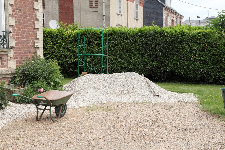 Construire Une Allée En Gravillon pour Allée De Gravier Jardin