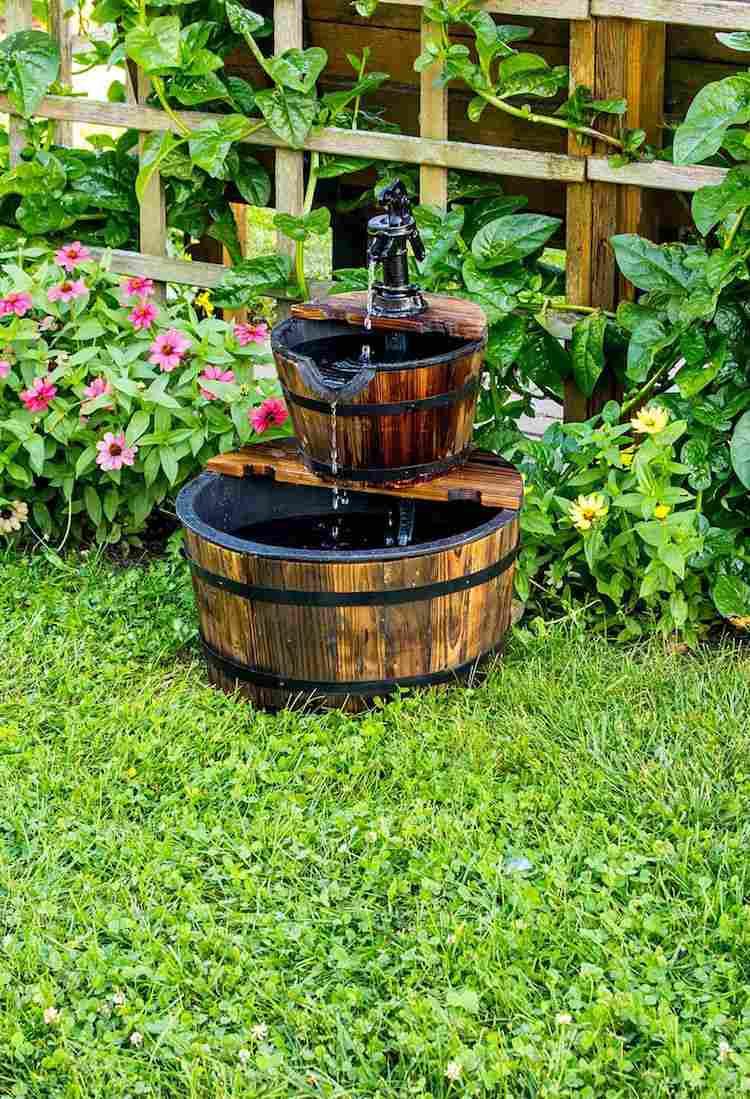 Construire Une Fontaine Extérieure Pour Apporter De L ... à Fabriquer Une Fontaine De Jardin