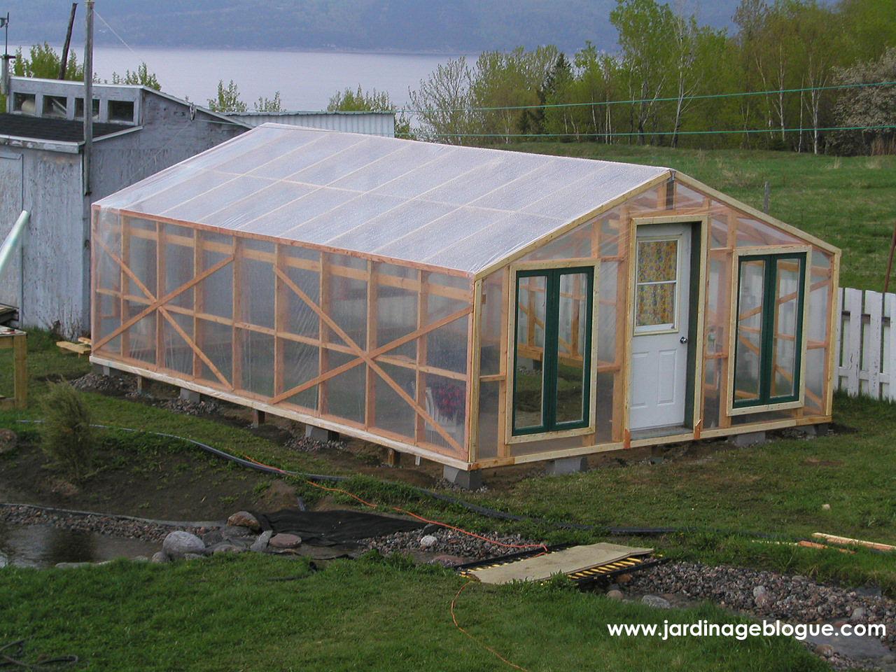 Construire Une Serre – Plan Et Étapes De Construction ... intérieur Ma Serre De Jardin