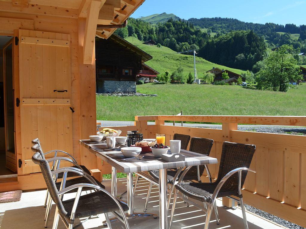Cottage Chalet Antoline À Le Grand-Bornand En Haute-Savoie pour Salon De Jardin Table Haute