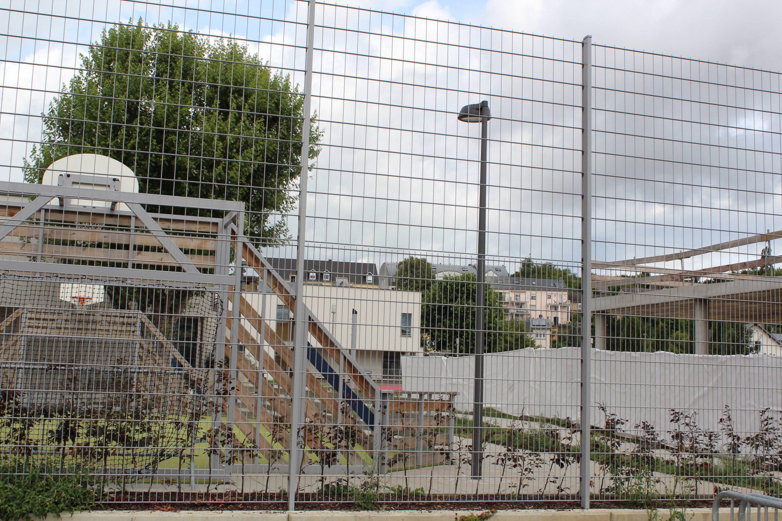 Createch - Aires De Jeux Au Luxembourg avec Cloture Jardin Luxembourg
