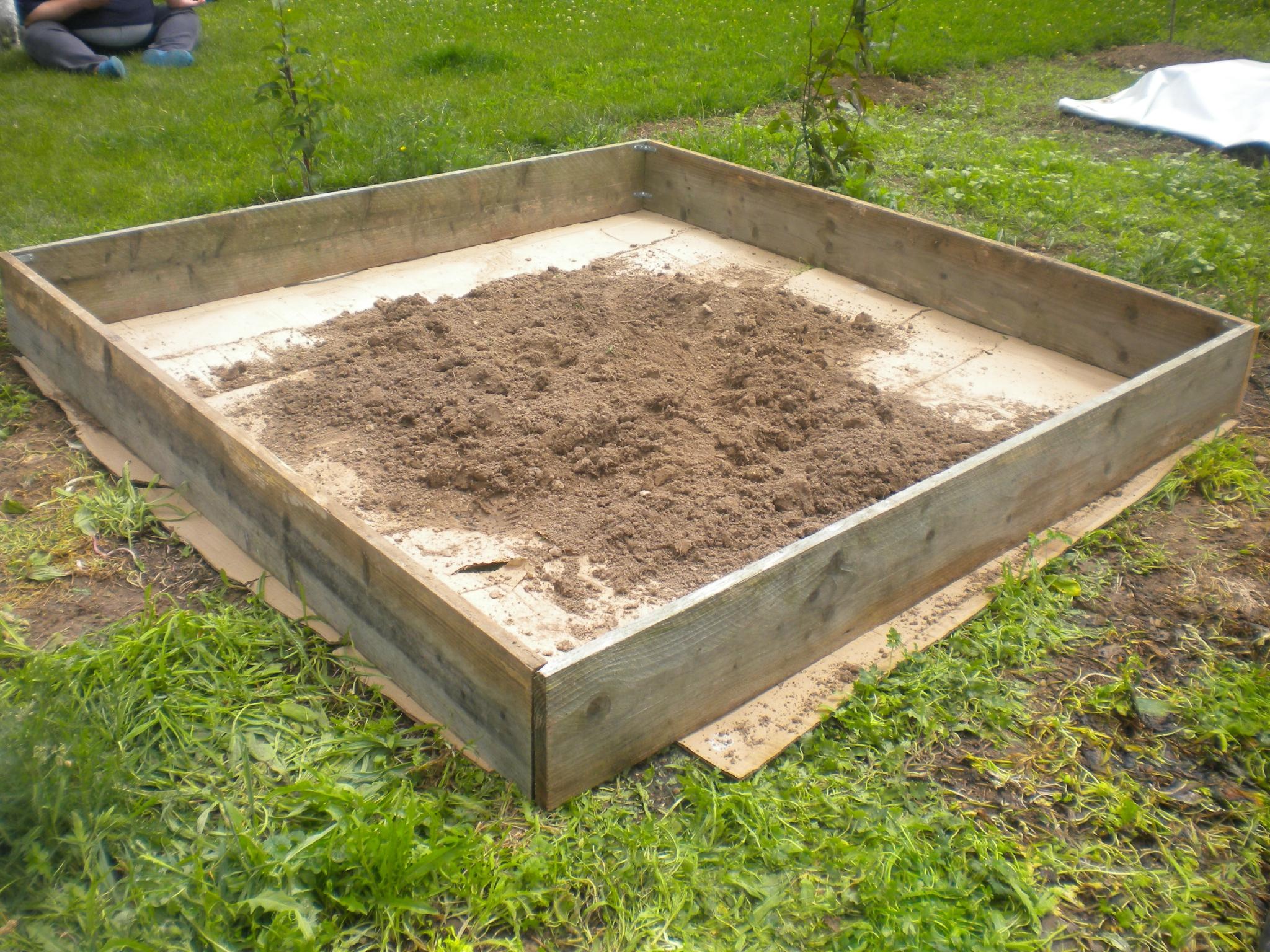 Création D'un Carré Potager De 4M2 Pour Moins De 30€ - Notre ... intérieur Jardin En Carre