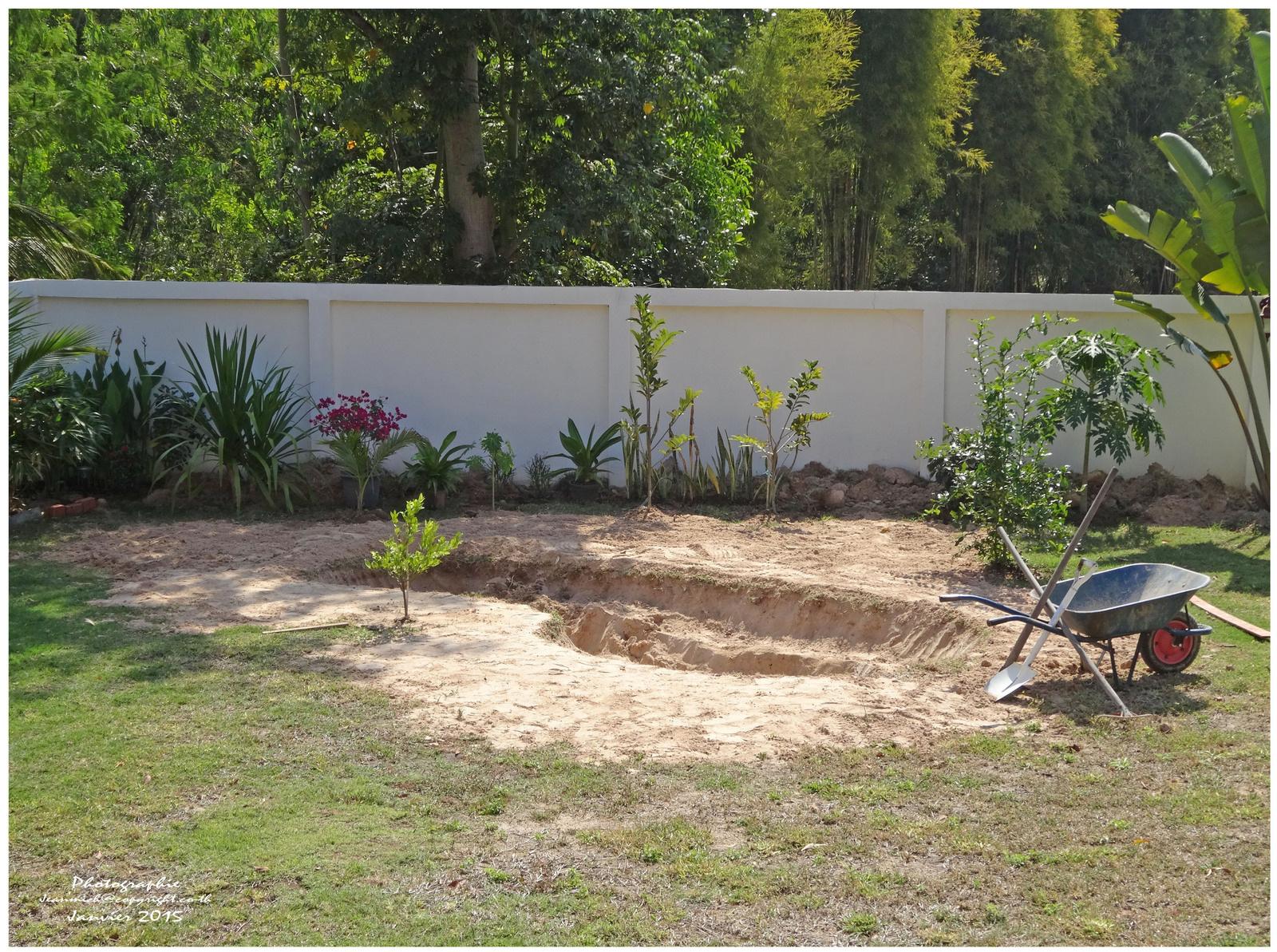 Création D'un Petit Étang Dans Le Jardin. - Le Blog De Khon ... destiné Creation Petit Jardin